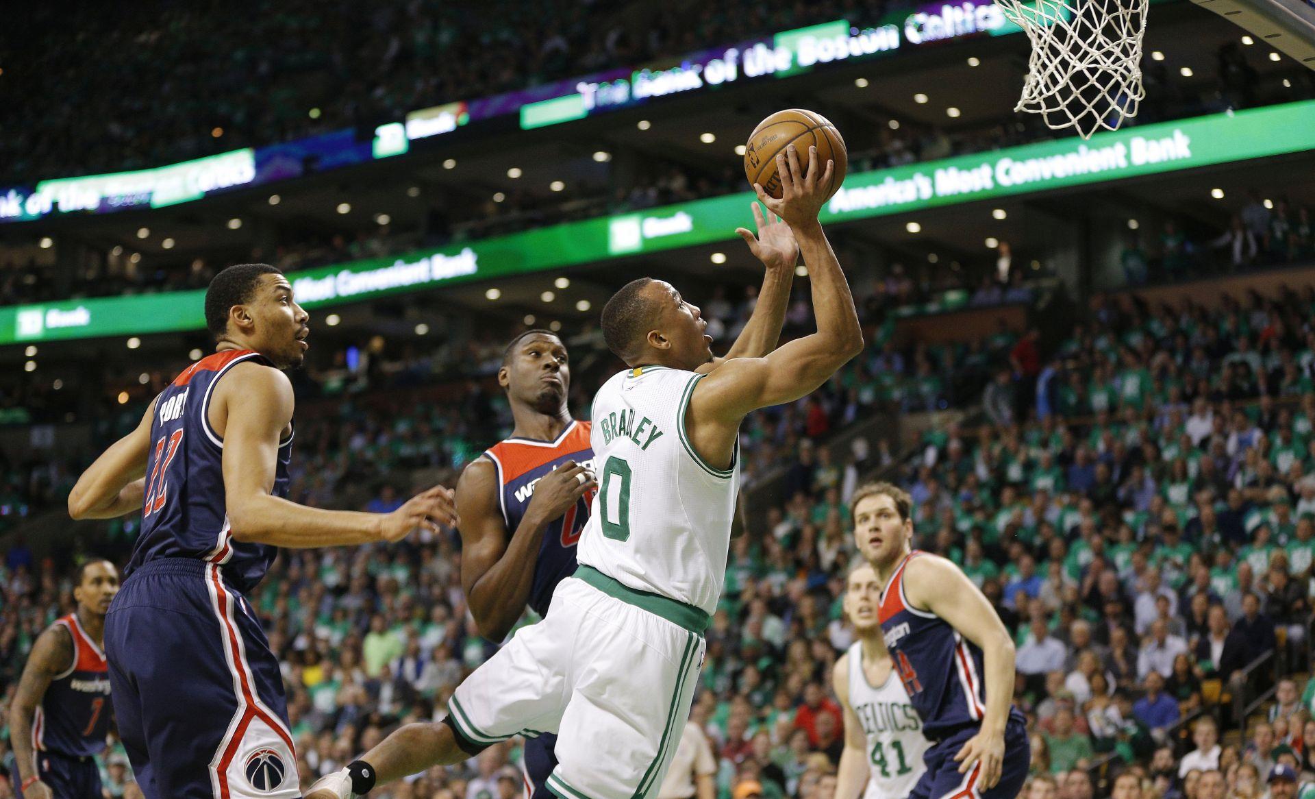NBA Boston poveo 3-2, šest koševa Bogdanovića