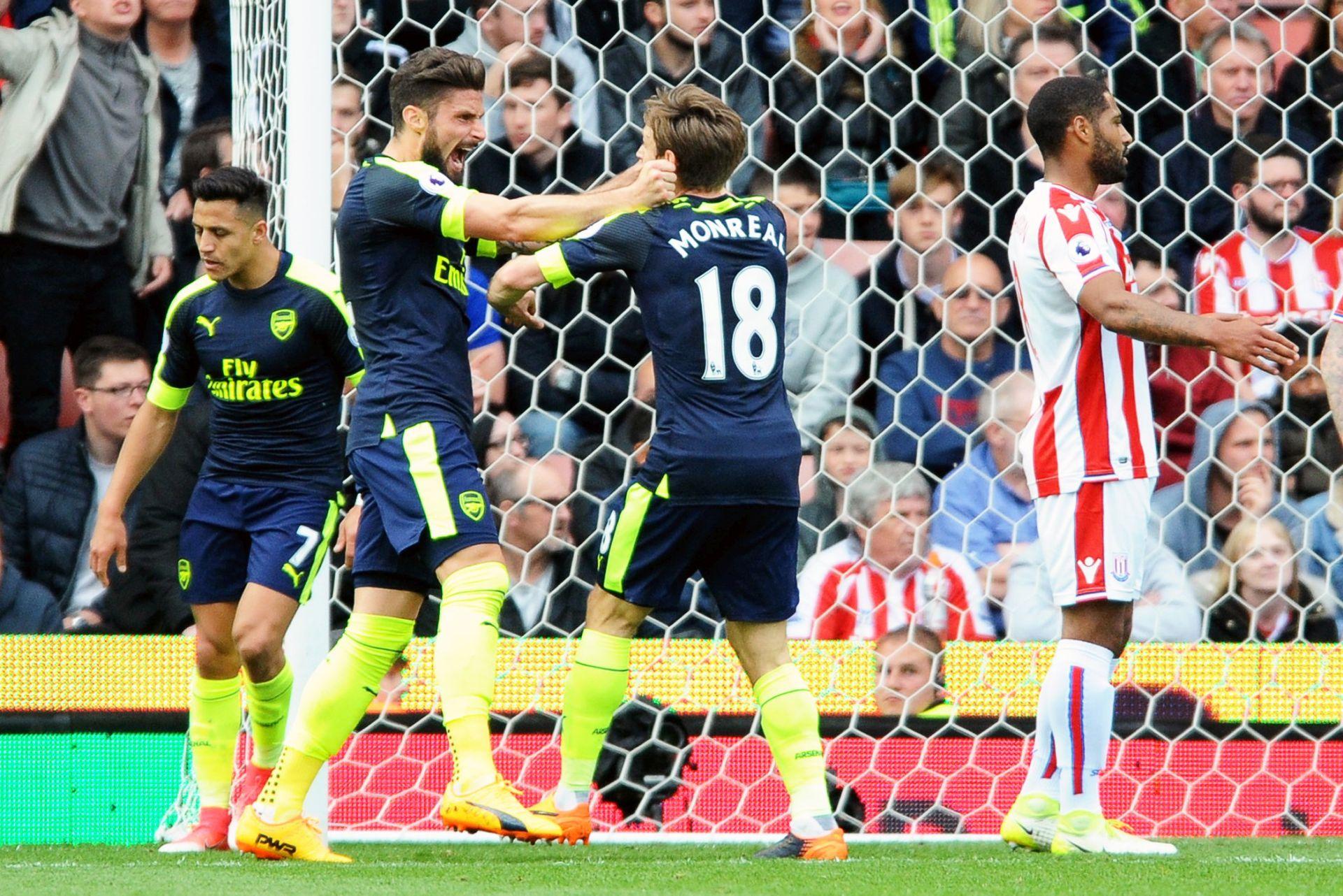 Arsenal ostao u utrci za Ligu prvaka
