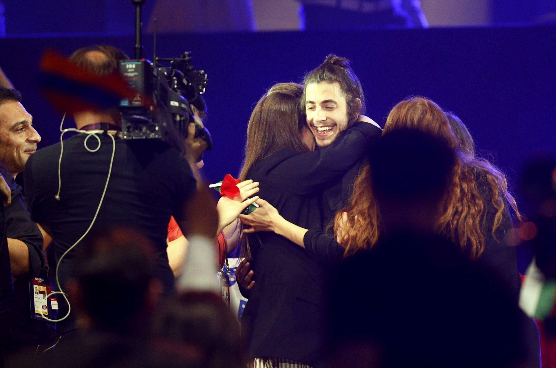 NOVI ŽIVOT SALVADORA SOBRALA Pobjedniku Eurosonga transplantirano srce