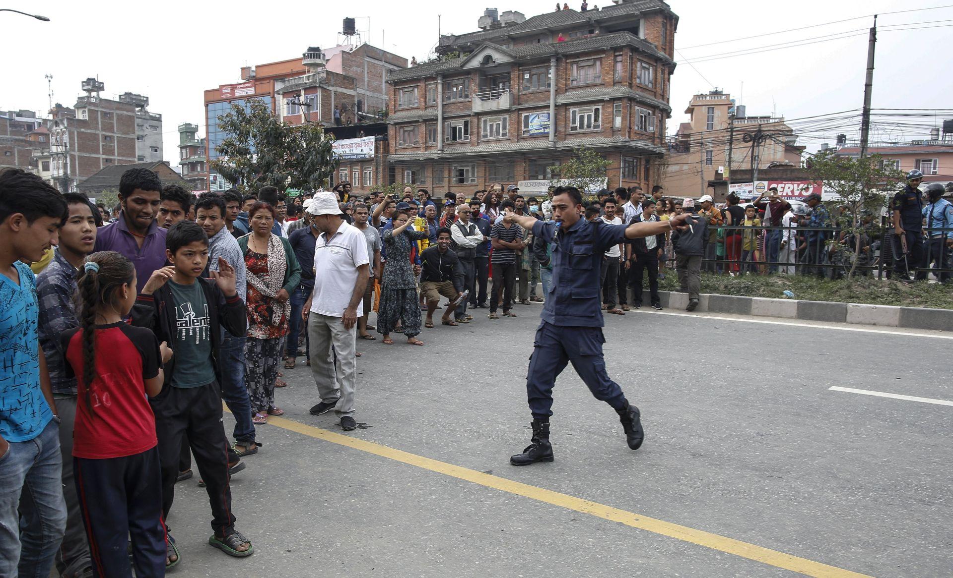 Nepalci biraju na prvim lokalnim izborima u 20 godina