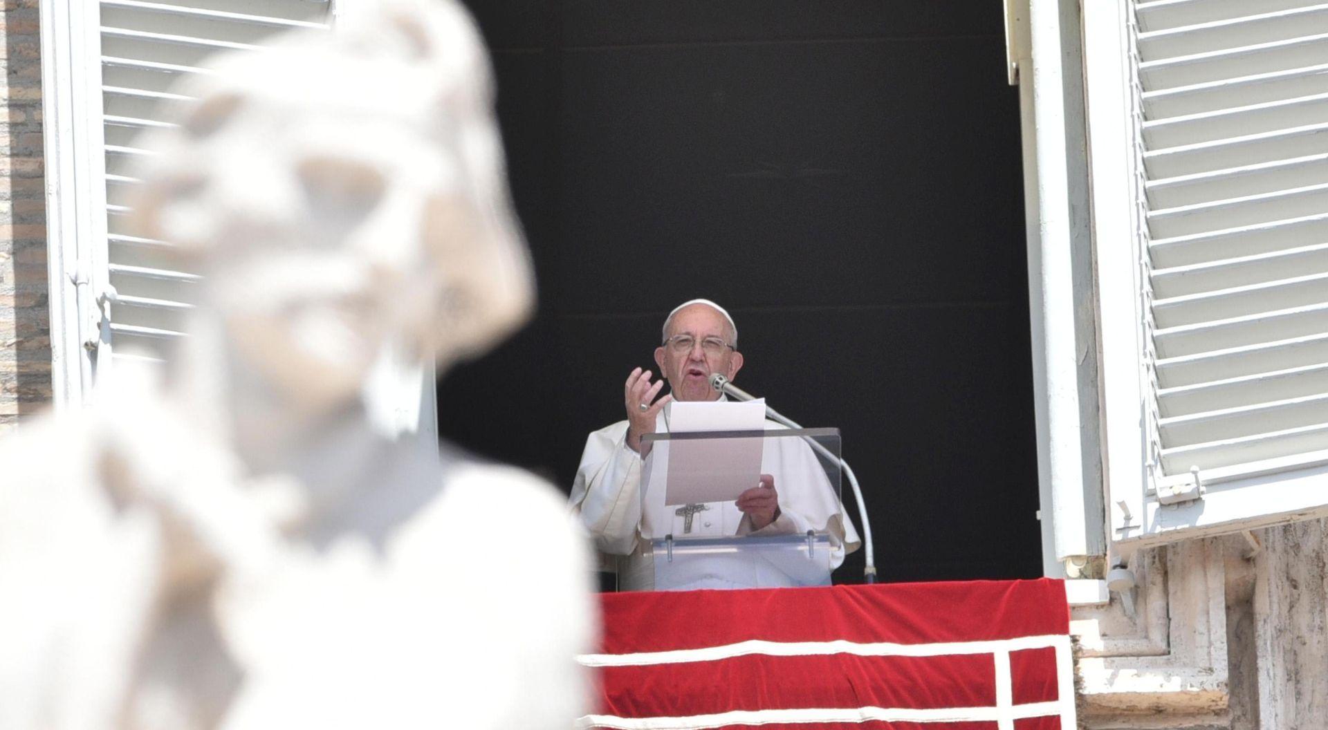 Papa Franjo poziva na izgradnju budućnosti bez ratova dok se bliži oslobođenje Mosula