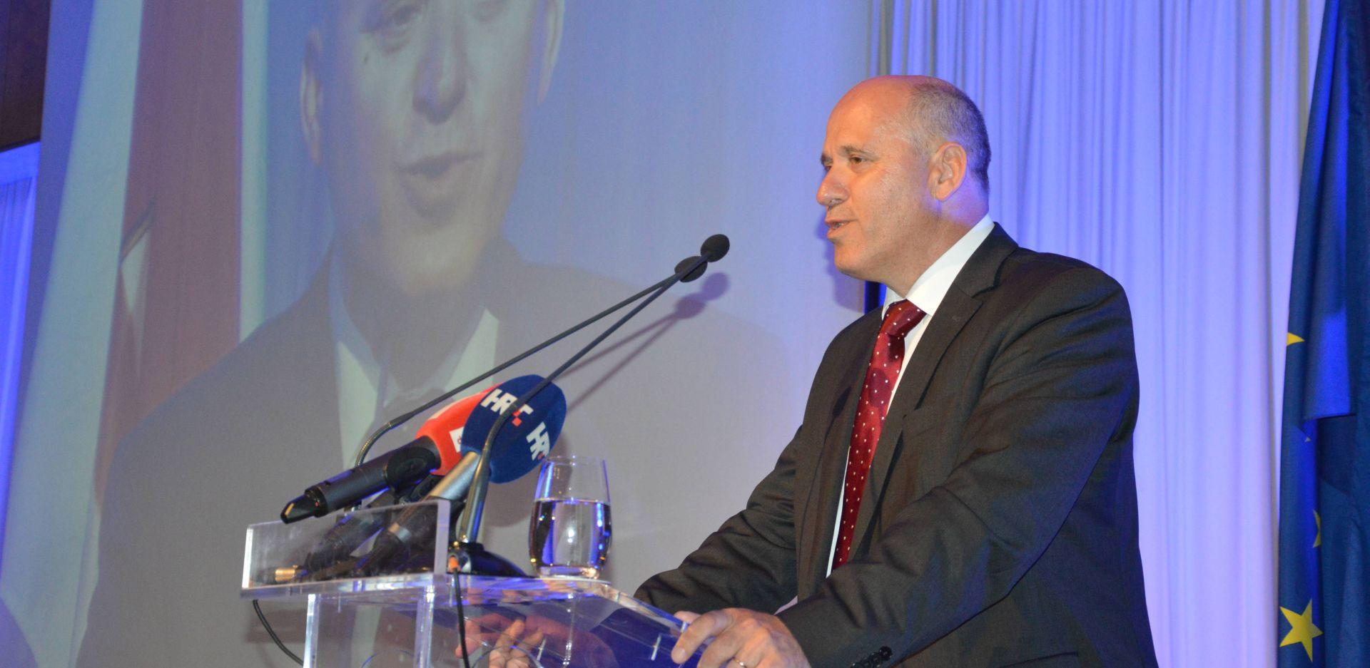 BAČIĆ 'Događaji oko Agrokora nam neće našteti na lokalnim izborima, upravo suprotno'