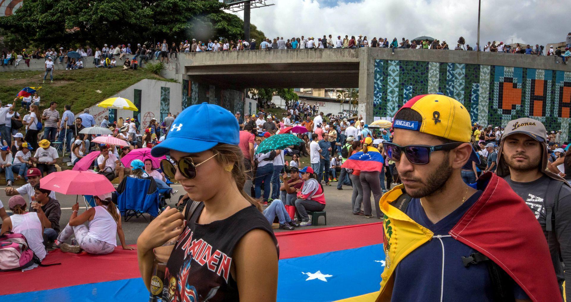 PROSVJEDI U VENEZUELI Smrtno stradao 18-godišnjak