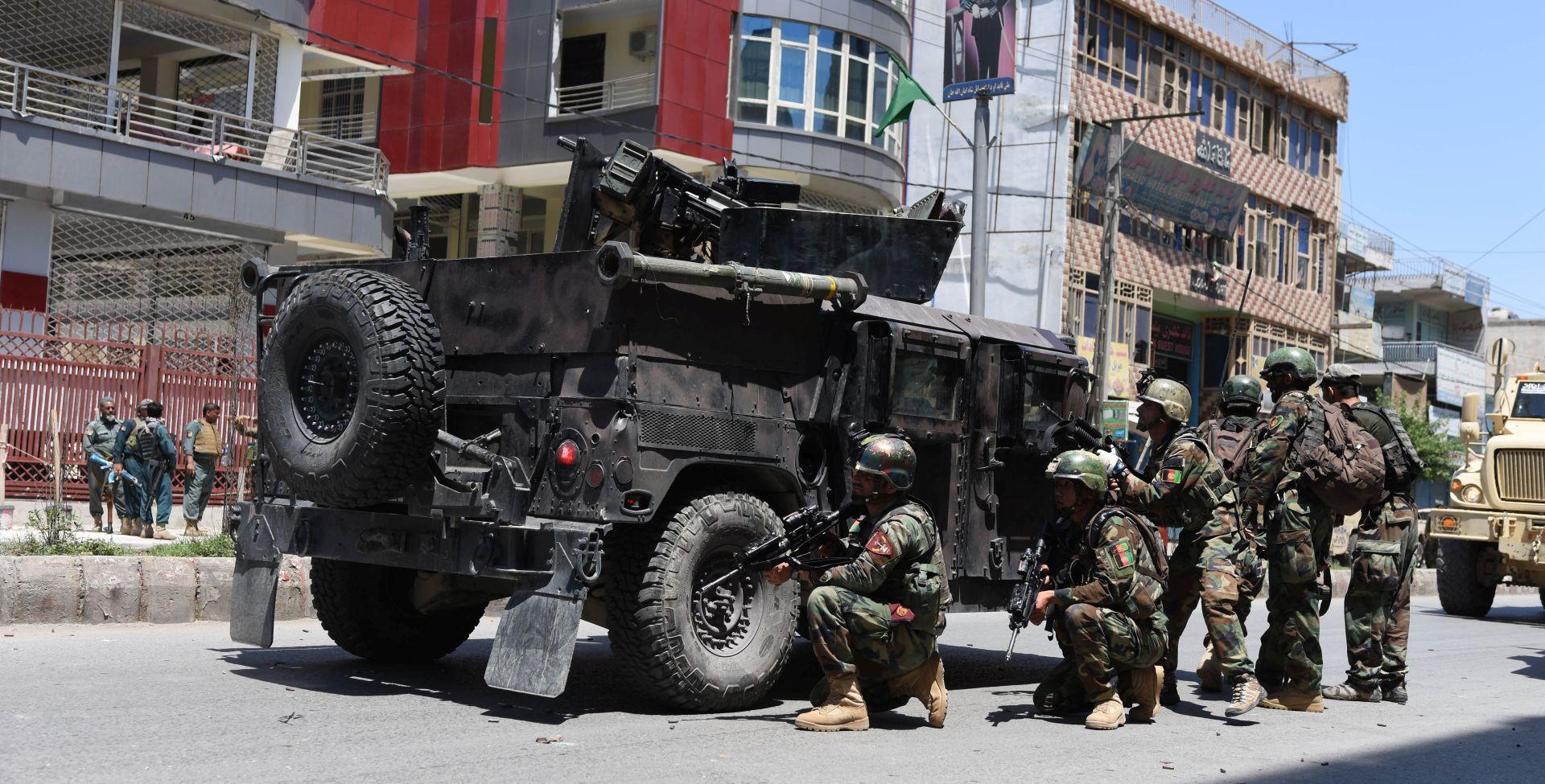 Najmanje dvadeset policajaca ubijeno u talibanskim zasjedama