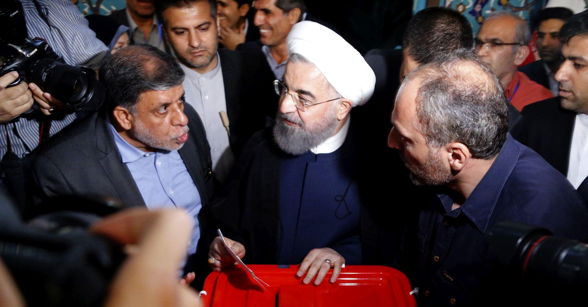 Rohani premoćno vodi na iranskim predsjedničkim izborima