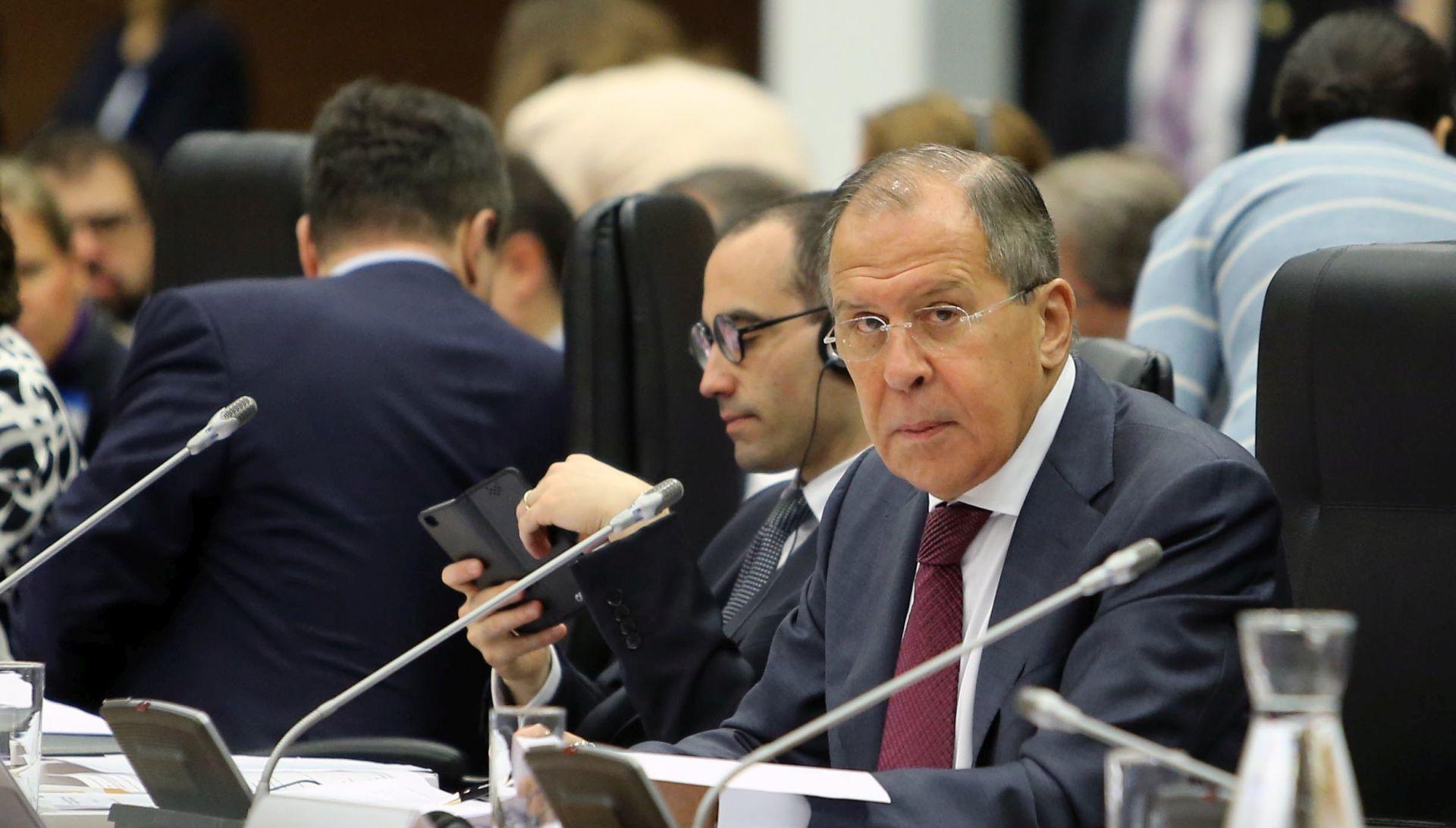Lavrov rekao da nije s Trumpom razgovarao o Comeyevom otpuštanju