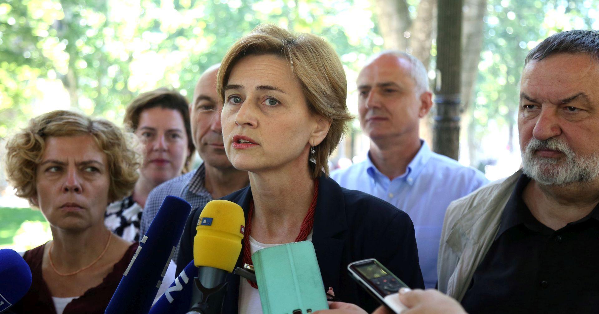 SANDRA ŠVALJEK 'Jedino ja mogu pobijediti Bandića'