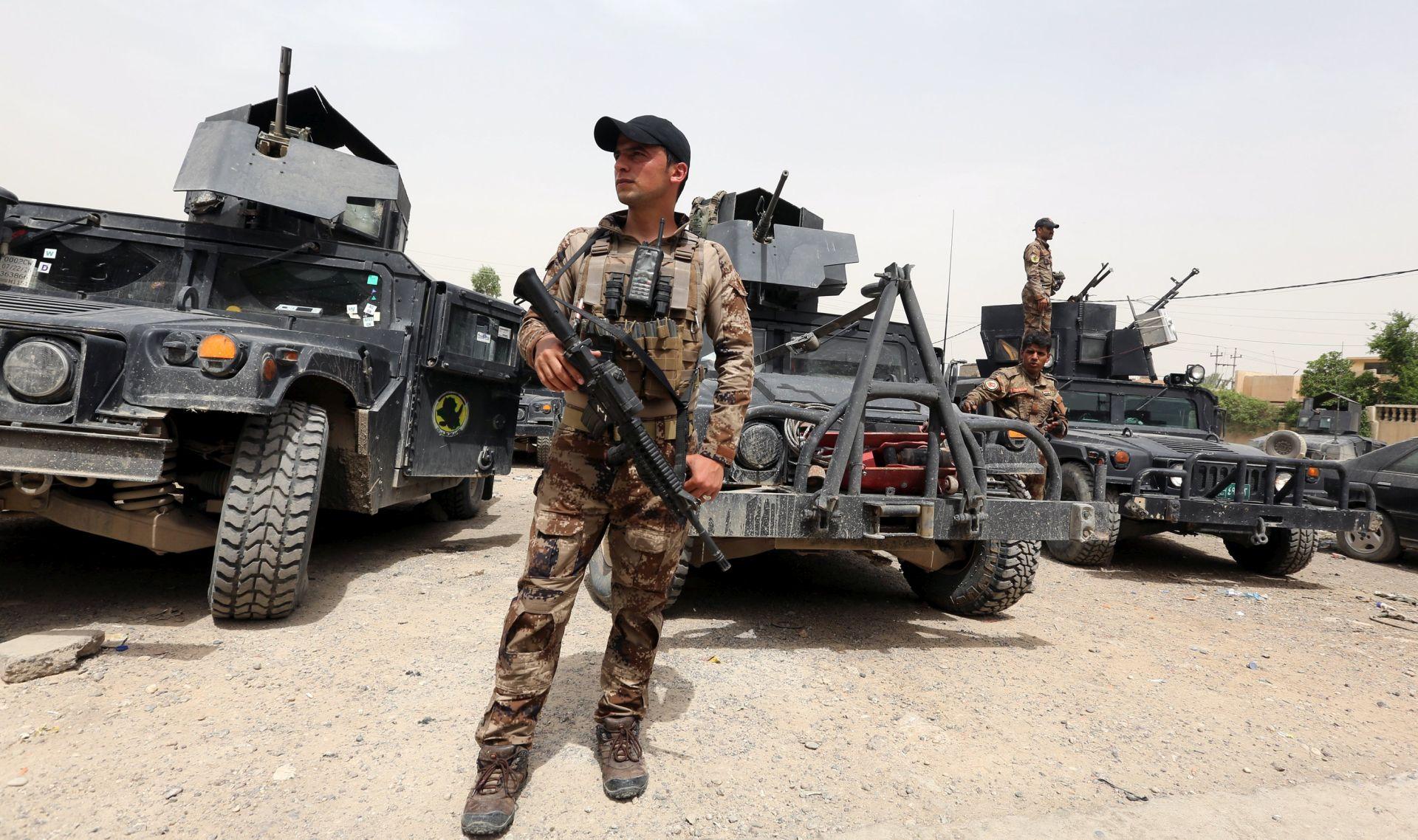 Napadi IS-a na glavnu iračku vojnu bazu