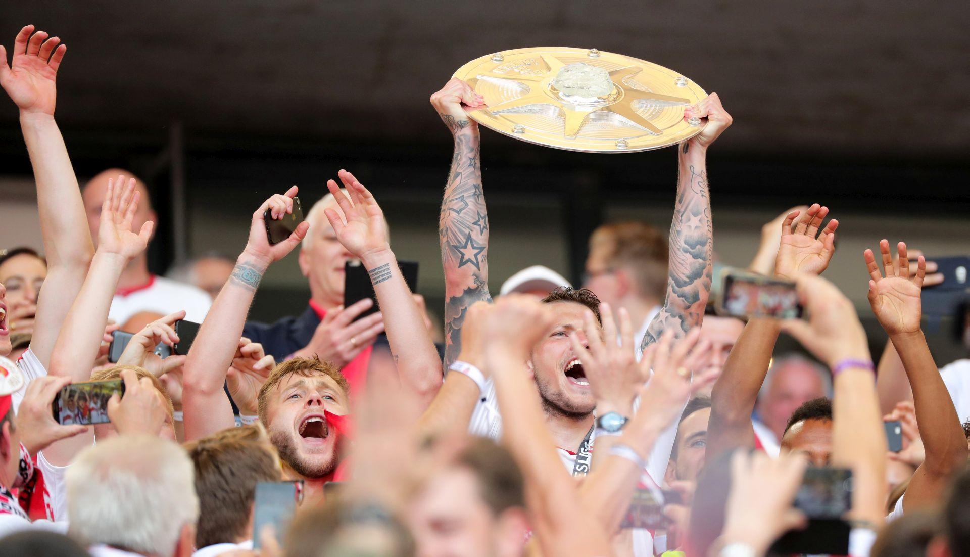 BUNDELIGA Povratak Stuttgarta i Hannovera, playoff za Eintracht iz Braunschweiga
