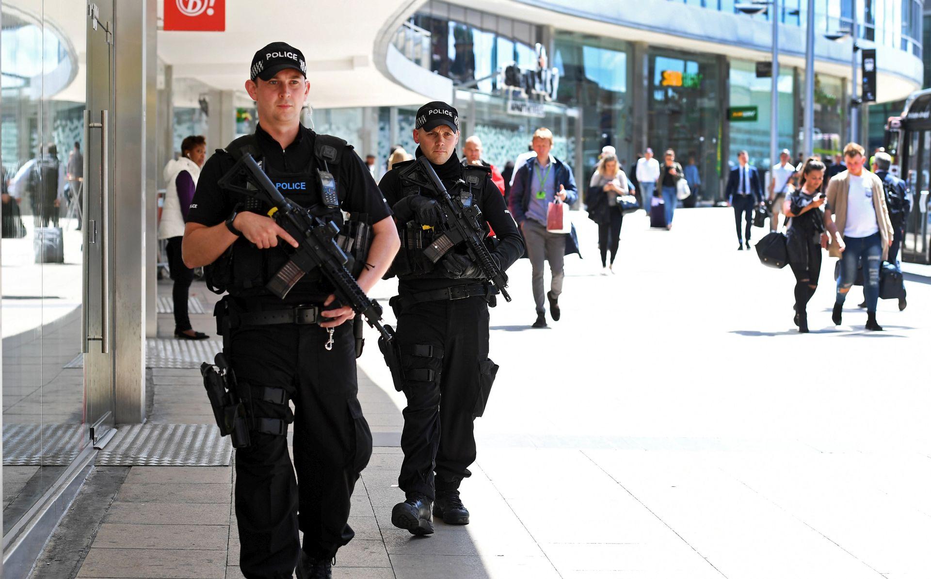 Britanska policija tvrdi da ima posla s terorističkom mrežom