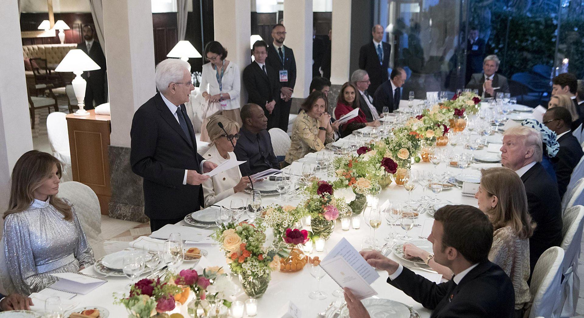 G7 nastavlja s radom, Trump se odupire pritisku