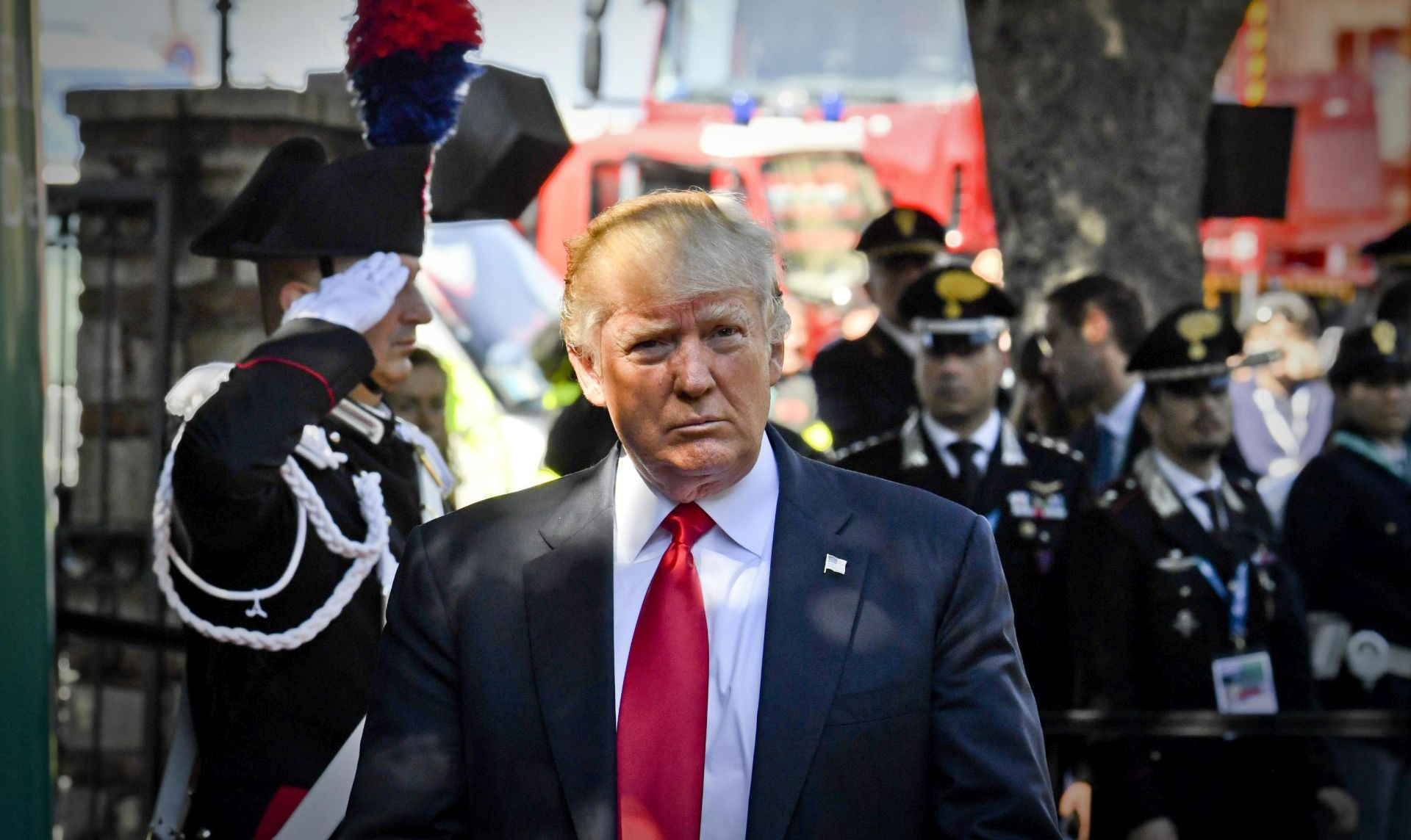 Trump ponudio pomoć smrtno bolesnom britanskom dječačiću
