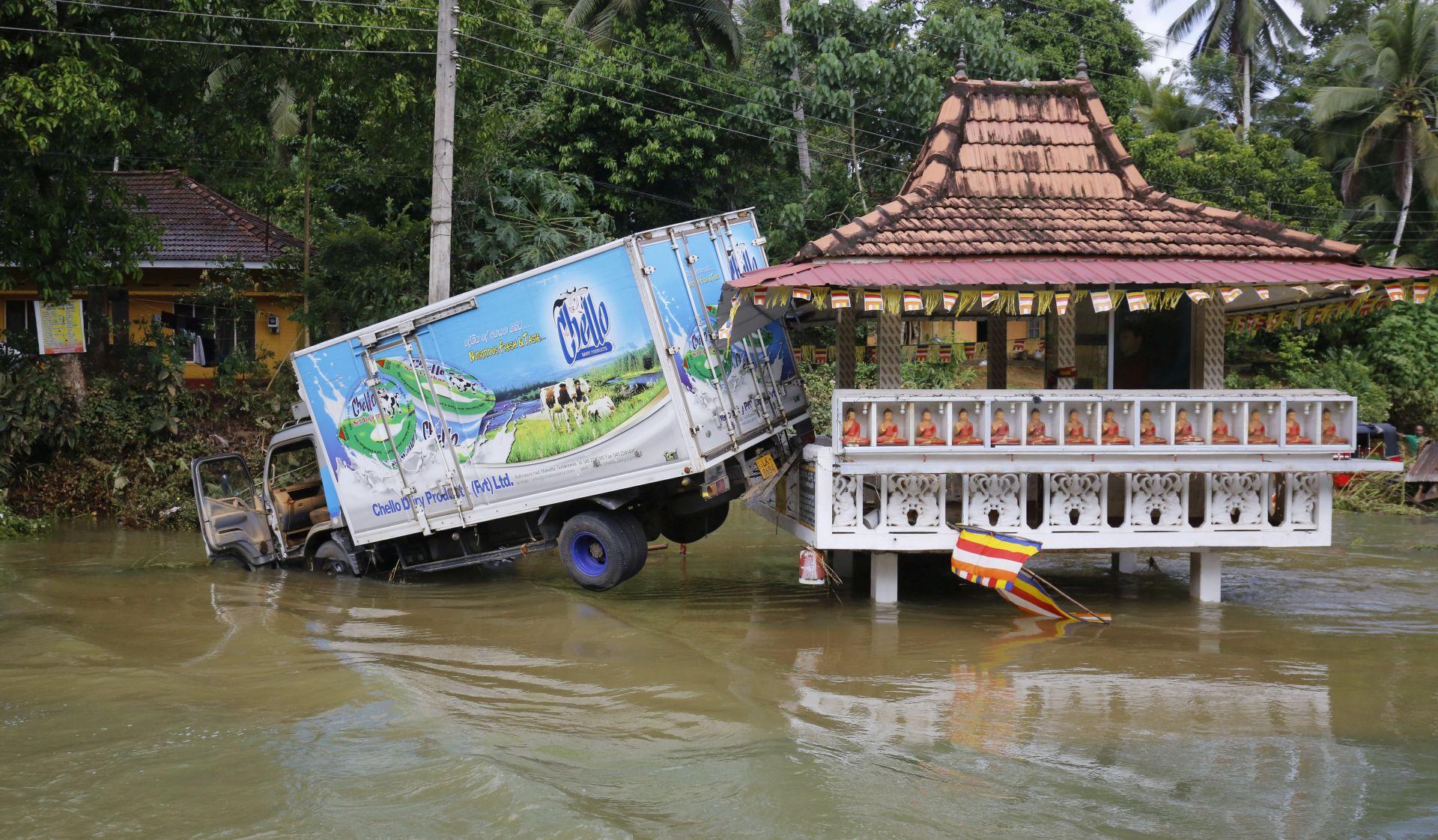 U poplavama u Sri Lanki 164 smrtno stradalih