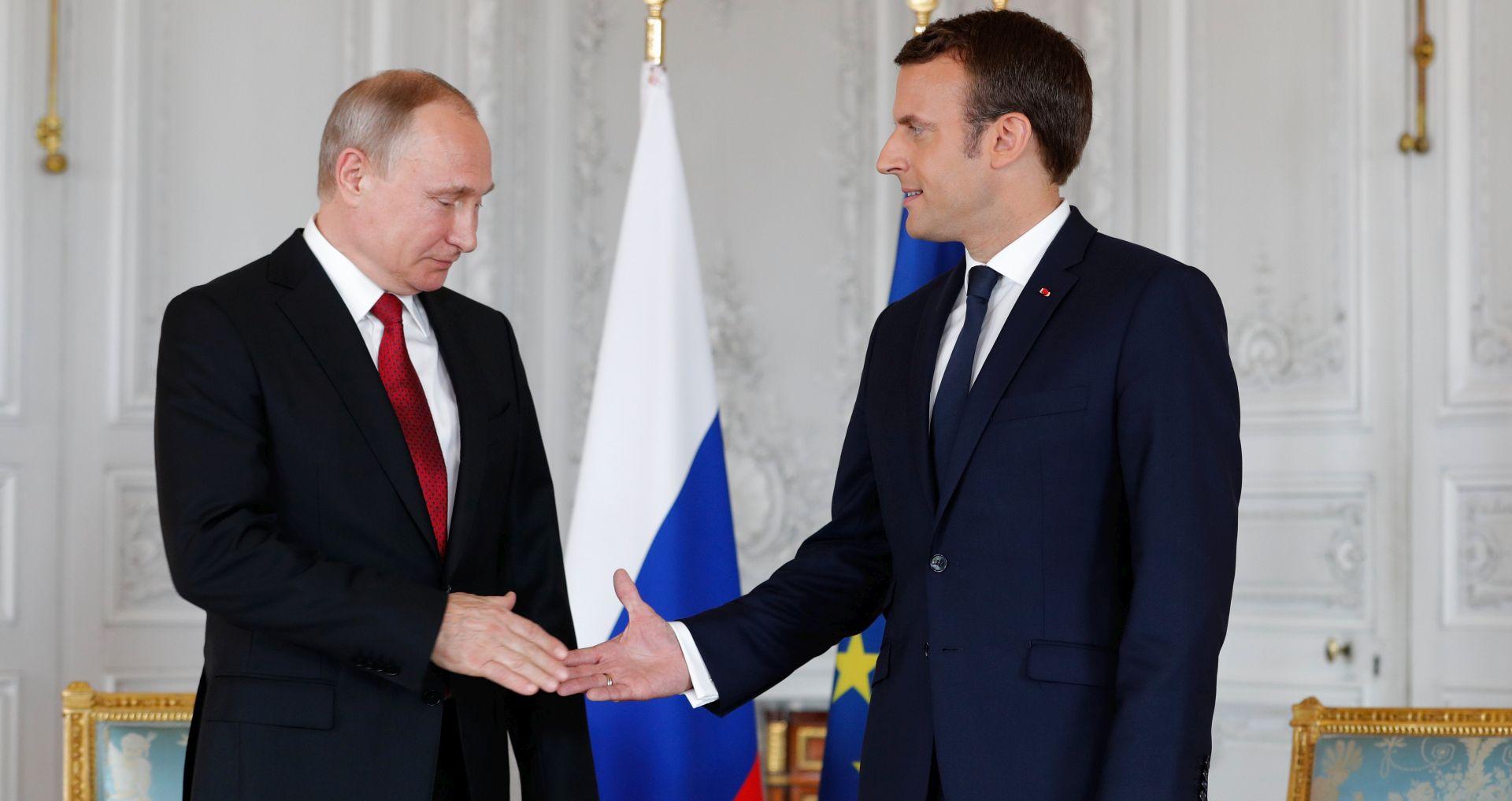 Macron se sastao s Putinom u Versaillesu
