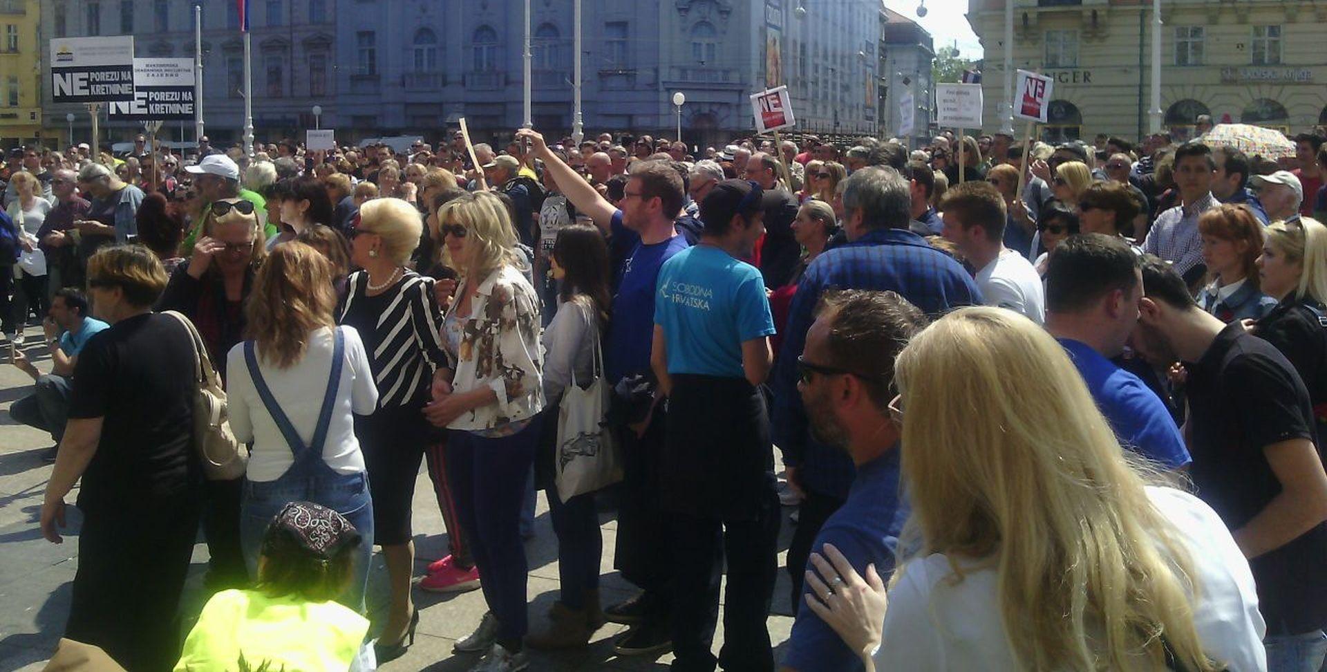"""ZAGREB Prosvjed na središnjem Trgu: """"Ako se sad ne probudimo, do 2018. ćemo svi postati robovi"""""""