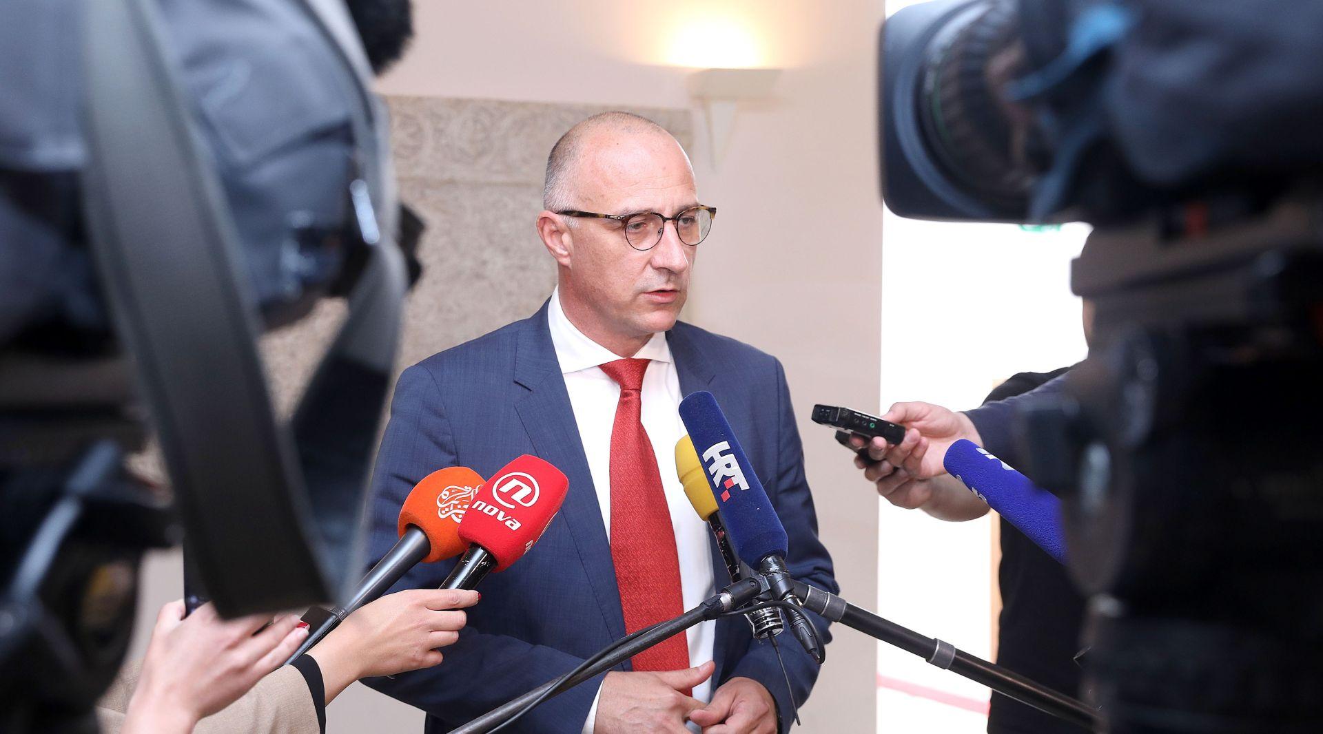 "VRDOLJAK ""Svi zastupnici HNS-a glasat će protiv Marića i Petrova"""