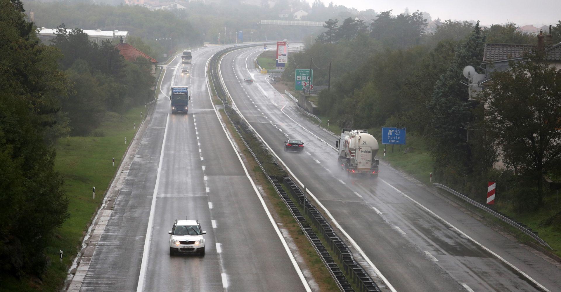 HAK Kiša i mokri kolnici usporavaju promet