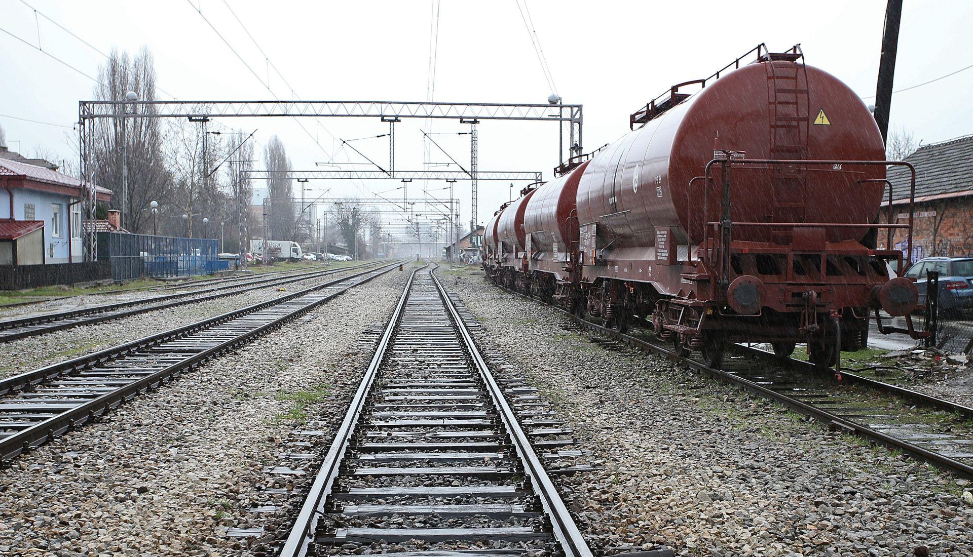 ZAGREB Djevojčica se popela na teretni vlak, strujni udar teško ju ozlijedio