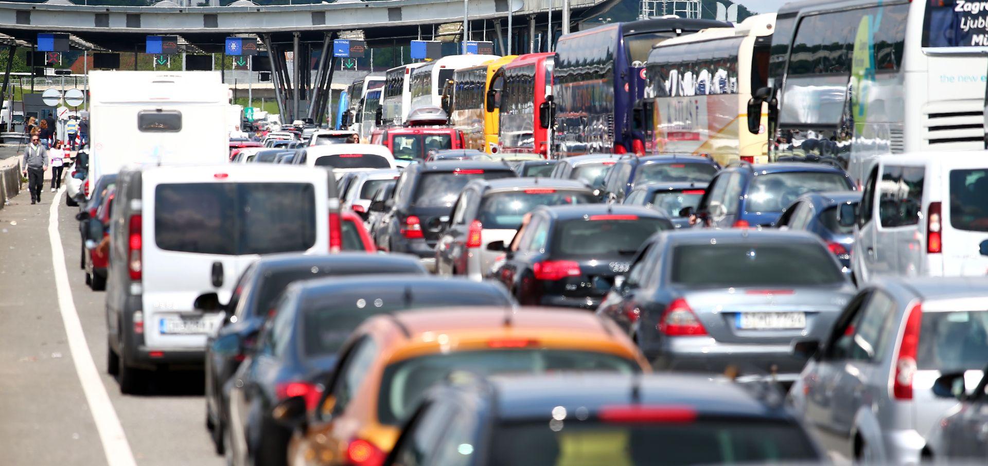 HAK Moguć pojačan promet i čekanja na granicama