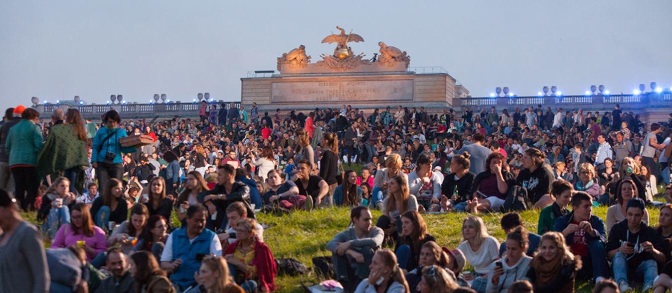 Dvorac Schönbrunn i njegov park opet zauzeti za koncert Bečkih filharmoničara