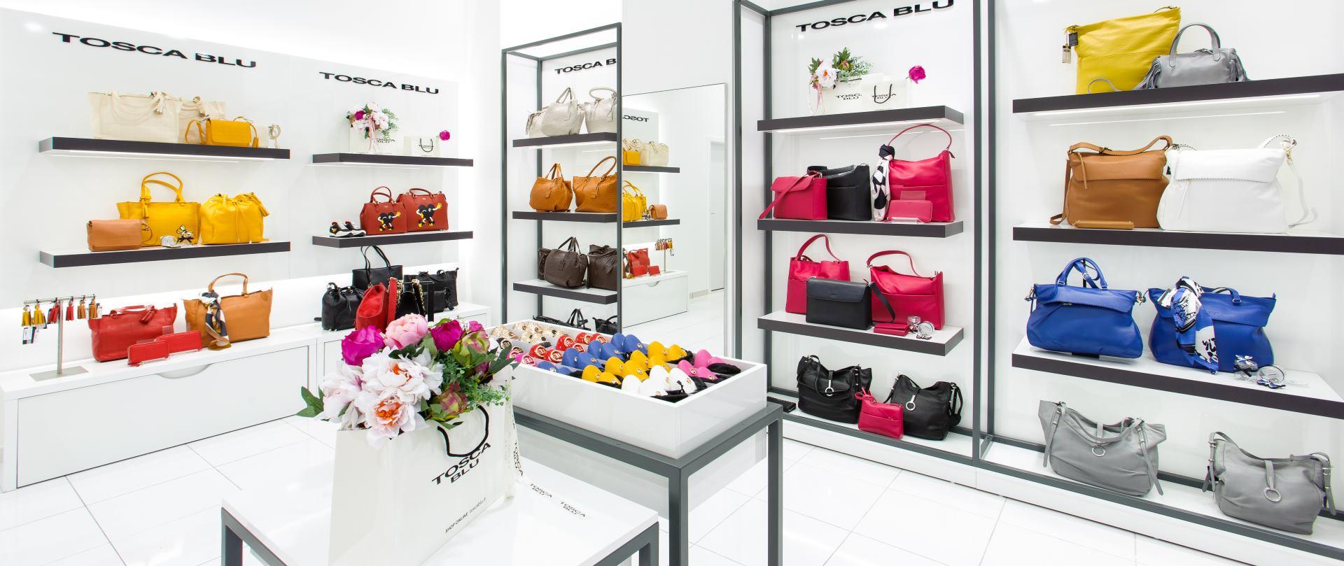 Obožavateljice talijanskog stila na otvorenjuTosca Blu trgovine u Gradu Splitu