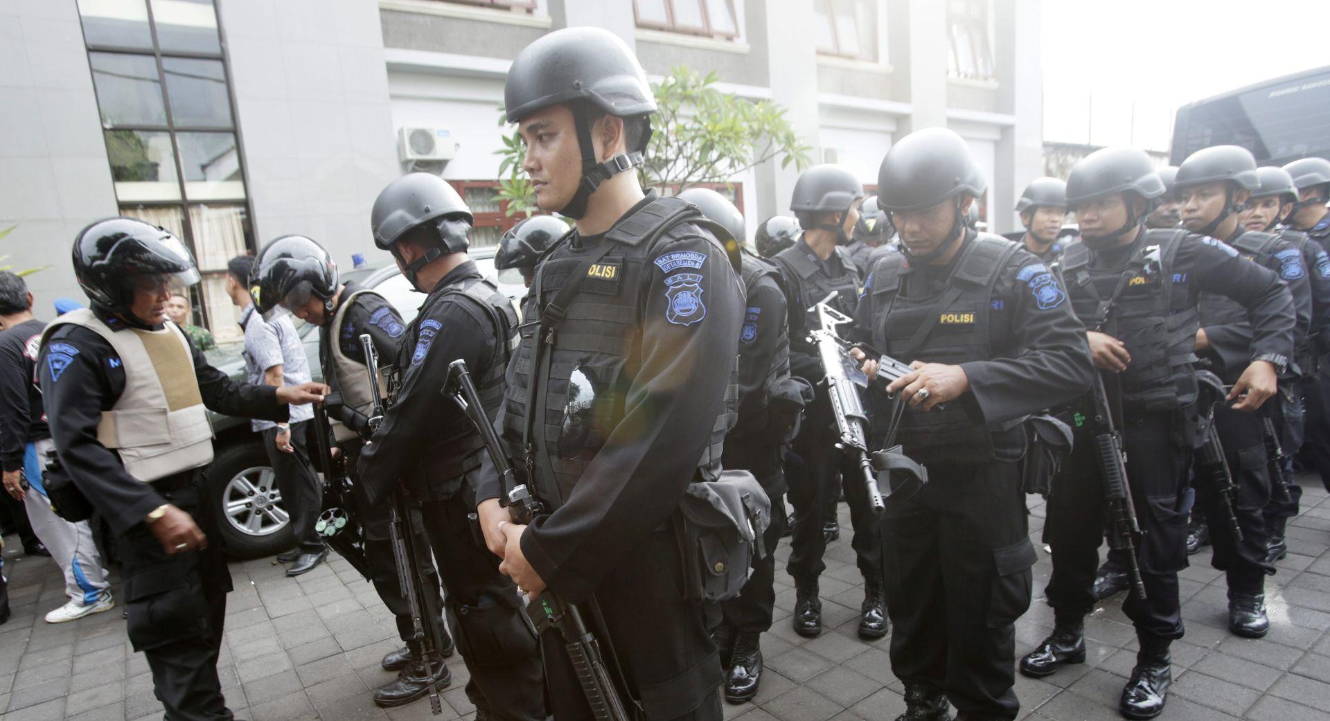 Indonezijska policija još traga za 200 odbjeglih zatvorenika