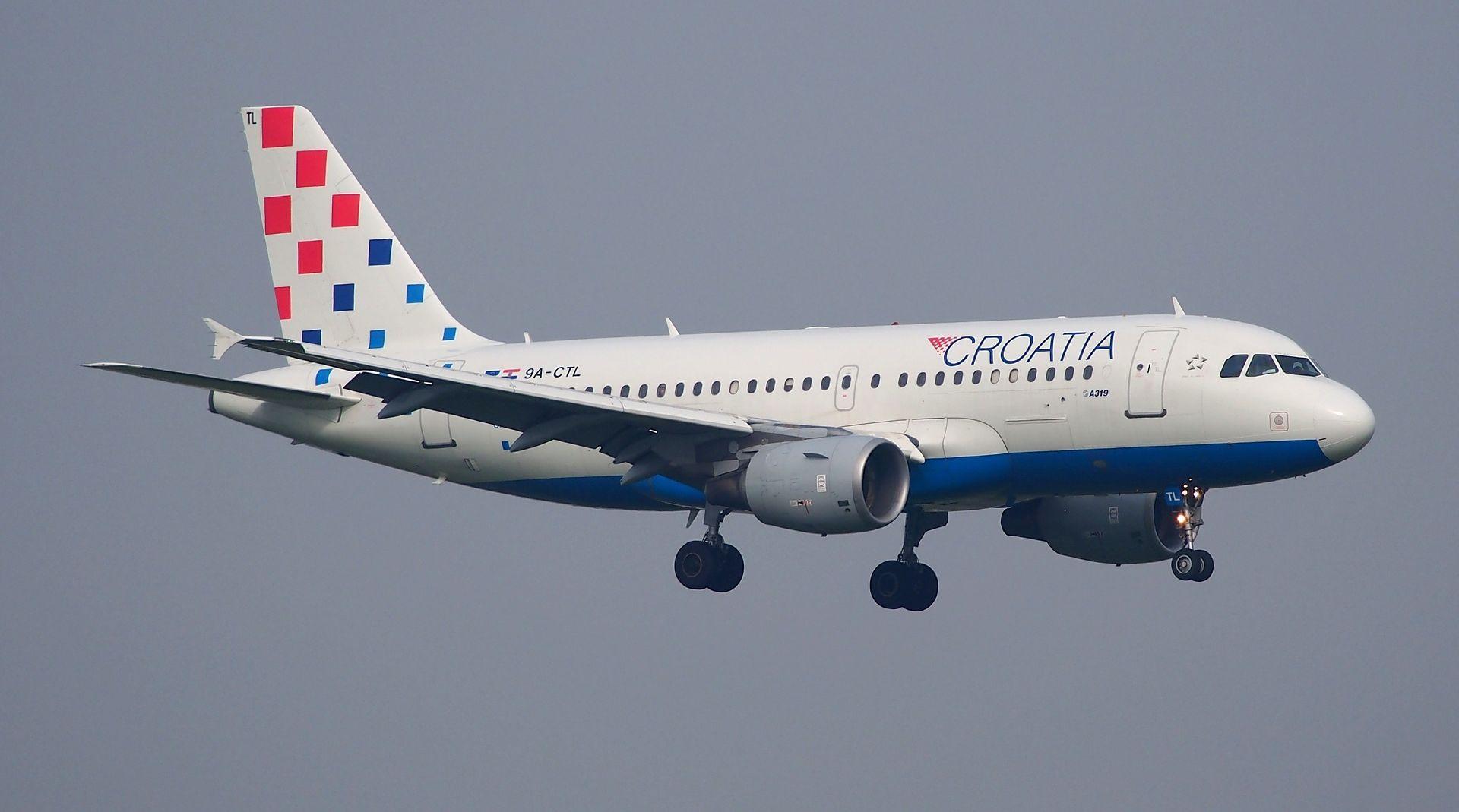 PANIKA NA LETU Avion se iznad Splita počeo tresti, preventivno preusmjeren u Zagreb