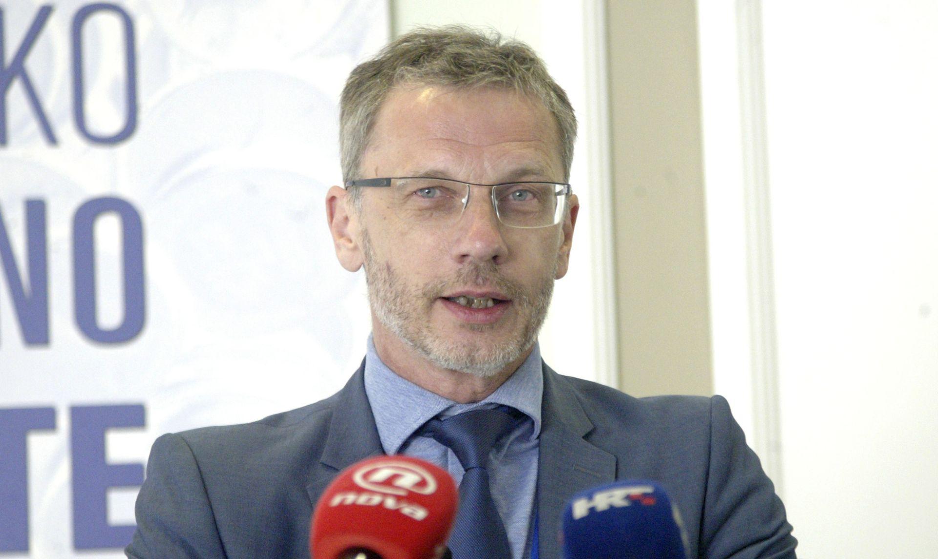 Vujčić očekuje do 0,4 posto niži rast BDP-a u 2017. zbog krize u Agrokoru