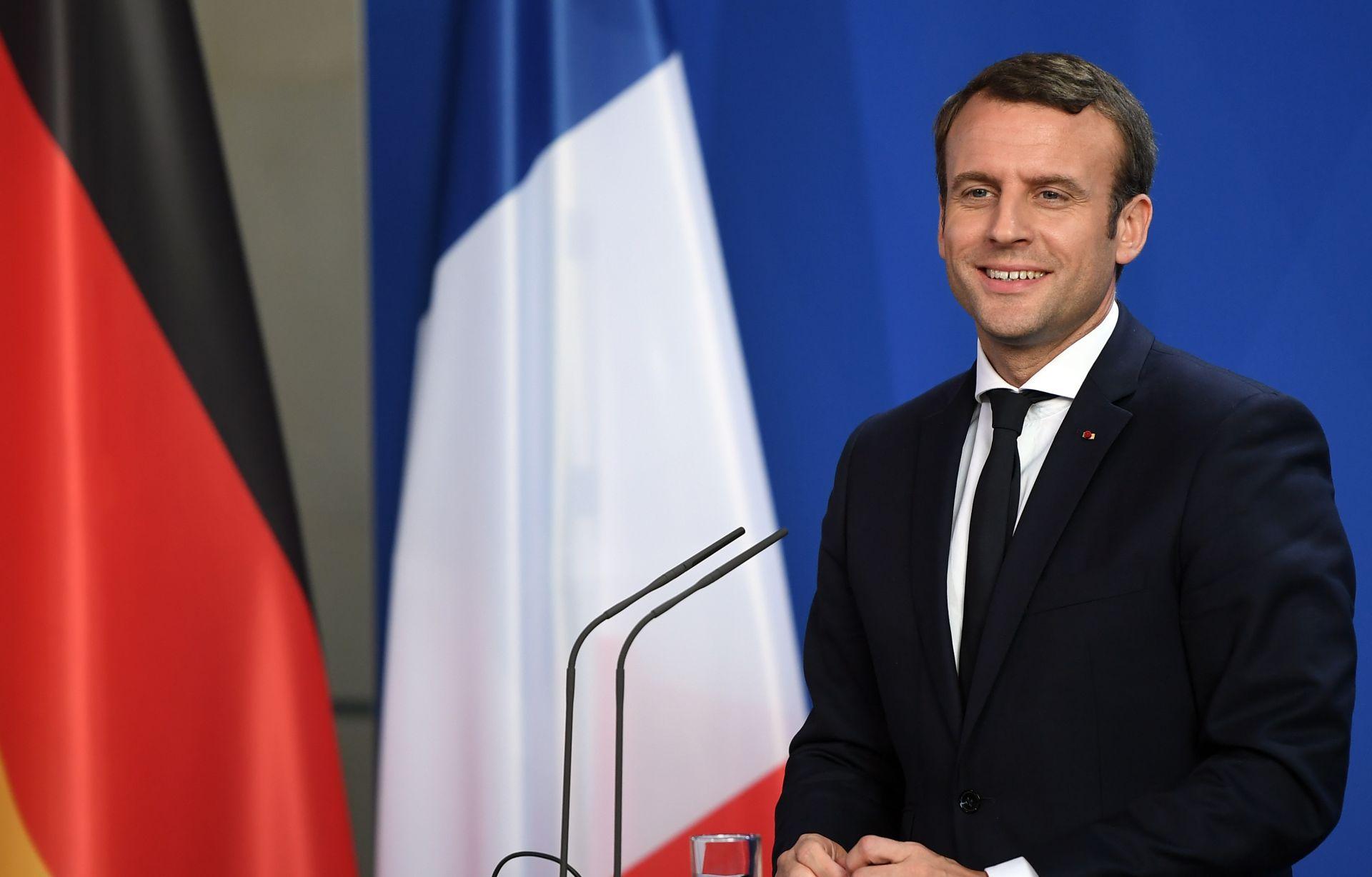 Macron pozvao muslimanske čelnike na borbu s fanatizmom i getoizacijom
