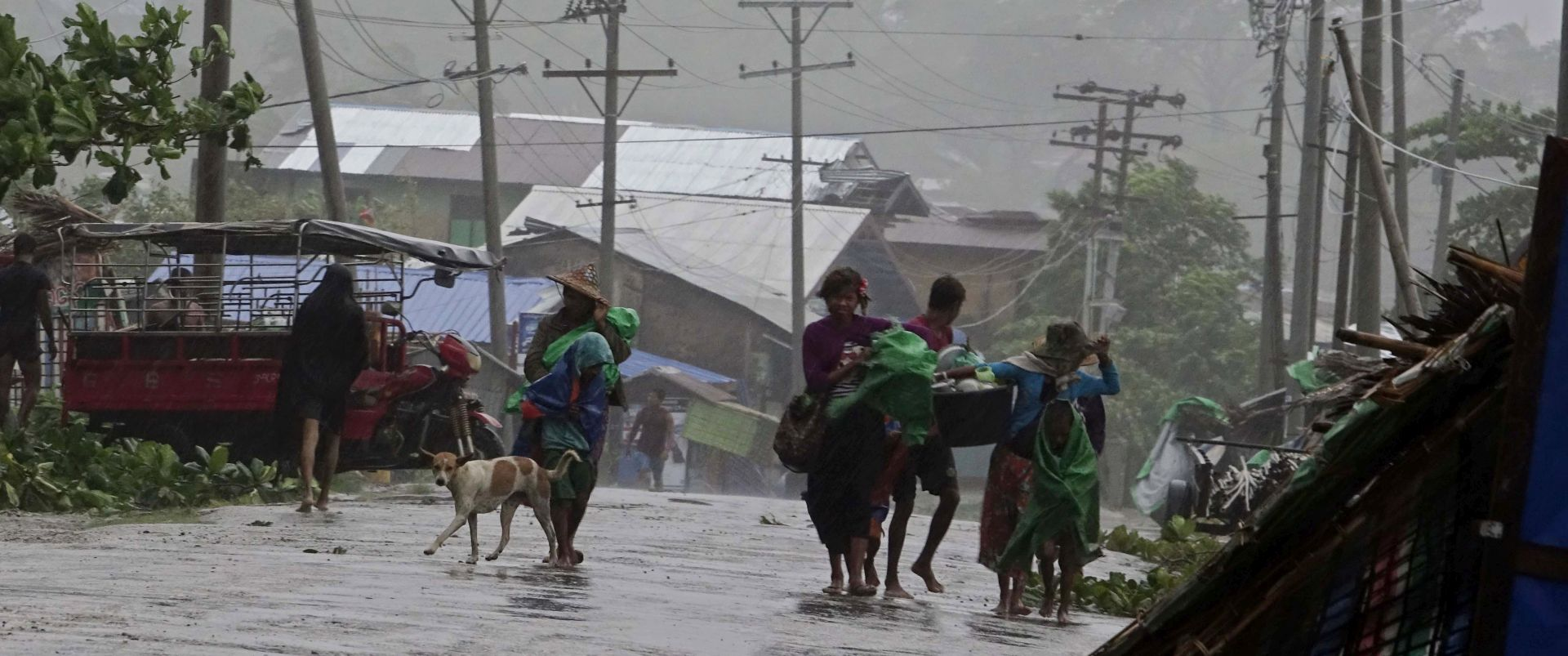 MONSUNSKE KIŠE U BANGLADEŠU Najmanje 61 sooba poginula u odronima zemlje
