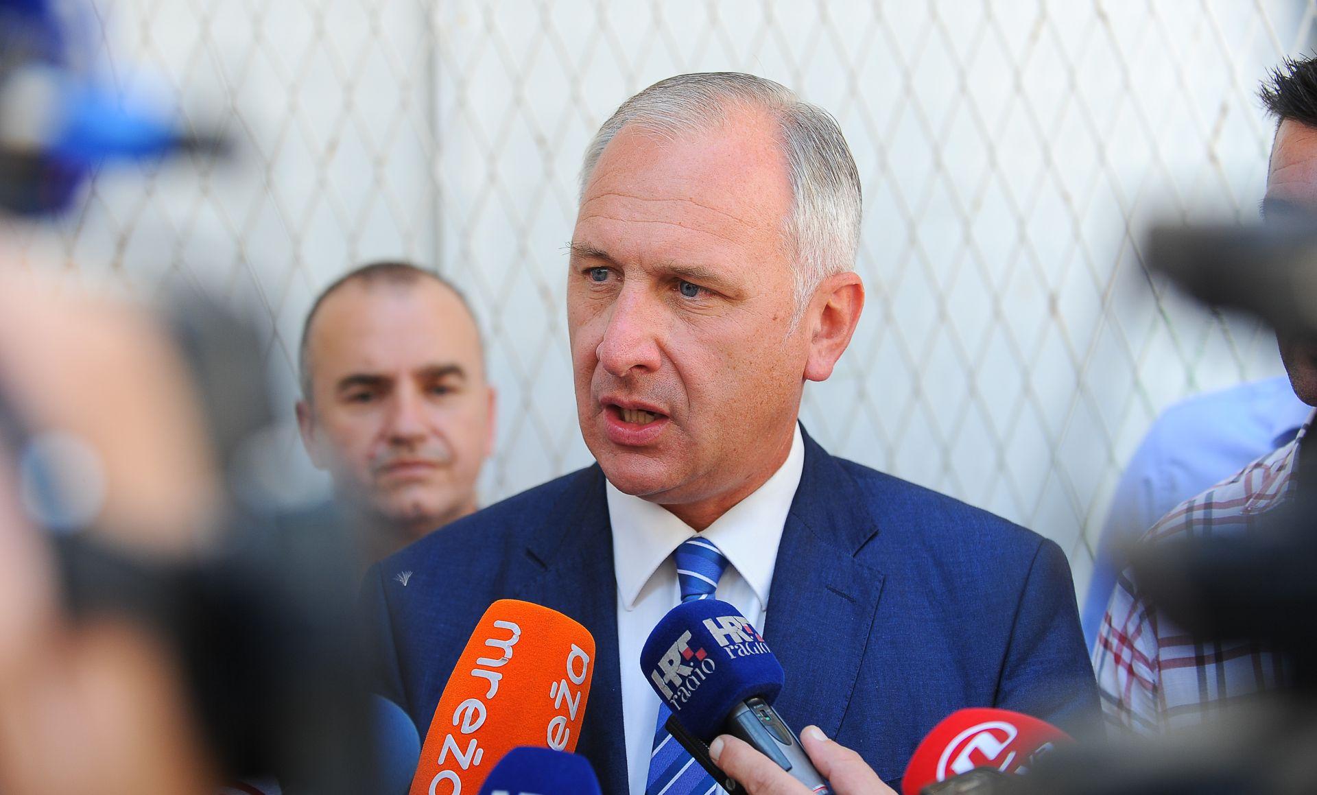 MINISTARSTVO ZAŠTITE OKOLIŠA I ENERGETIKE Sastanak o stanju na splitskom odlagalištu otpada Karepovcu