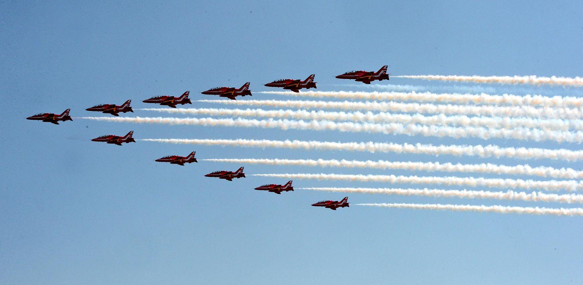 FOTO: ZEMUNIK Akrobatska grupa RAF-a u posjetu Krilima Oluje