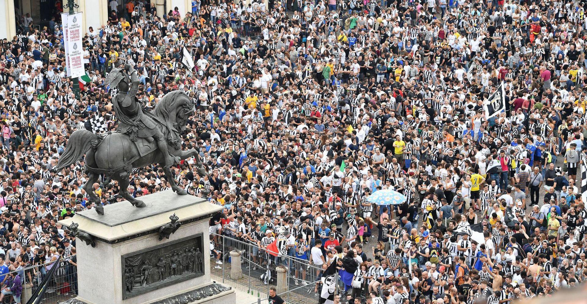 Više od tisuću ozlijeđenih u stampedu u Torinu