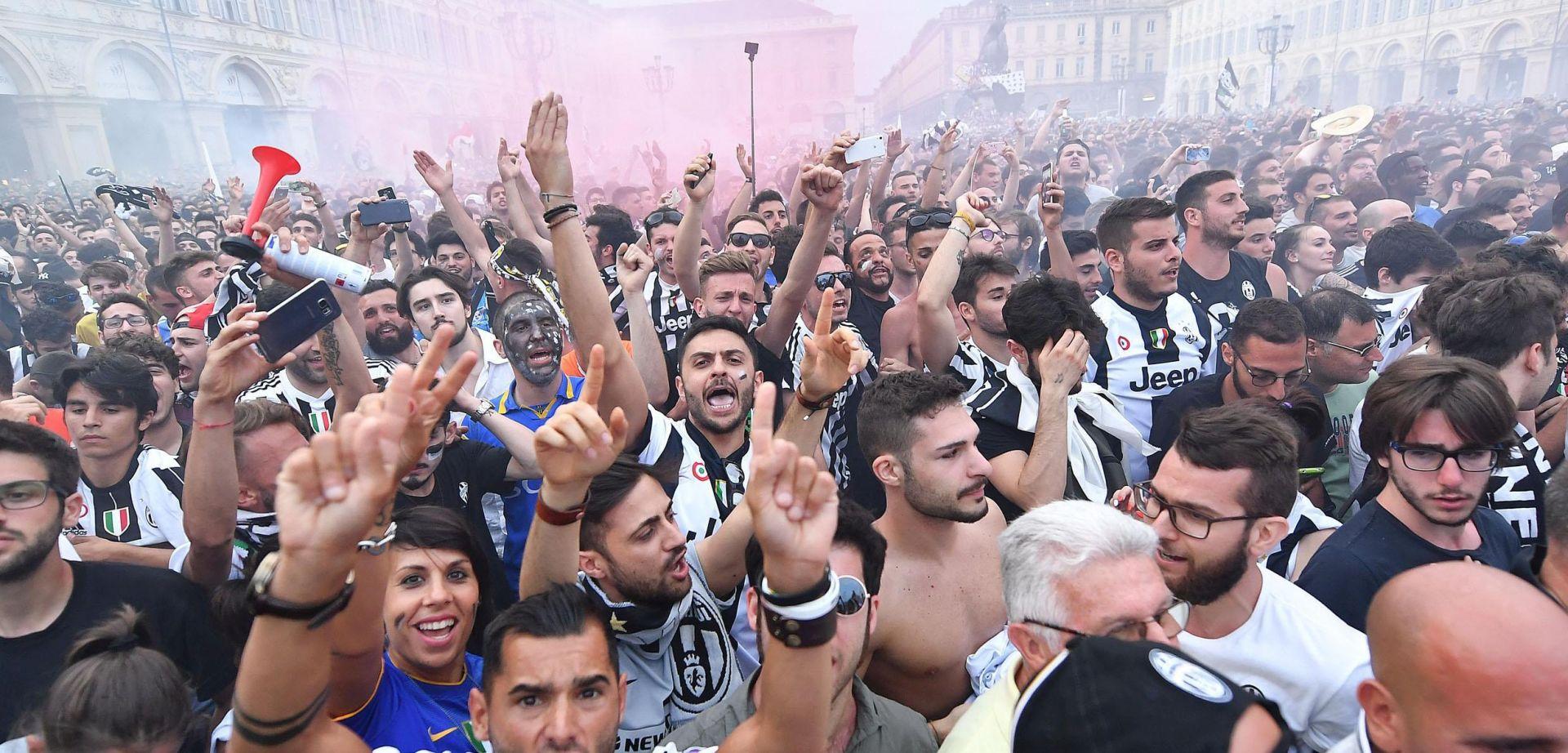 600 ozlijeđenih u stampedu na prijenosu finala Lige prvaka u Torinu