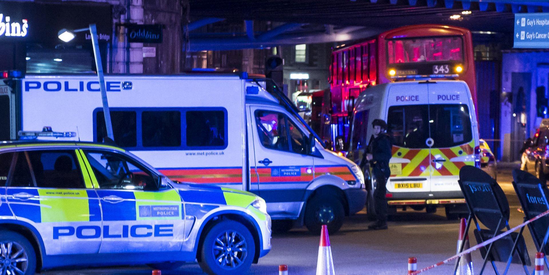 SVJEDOCI NAPADA U LONDONU 'Ozlijeđena žena krvarila je iz vrata, činilo se da joj je prerezan grkljan'