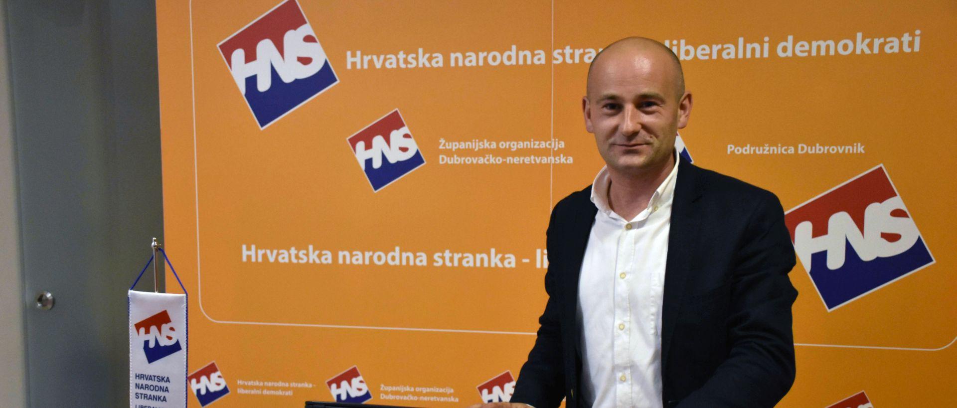 DUJMOVIĆ 'Nikome nego meni nije bilo teže glasovati za koaliciju s HDZ-om'