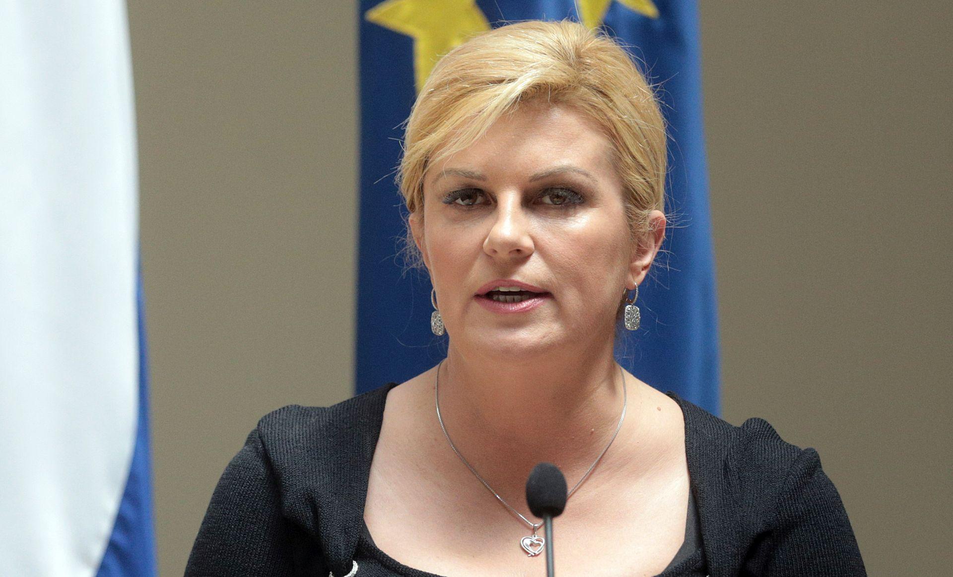 GRABAR-KITAROVIĆ 'Apeliram na savjest i odgovornost prema državi, gospodarstvu i građanima'