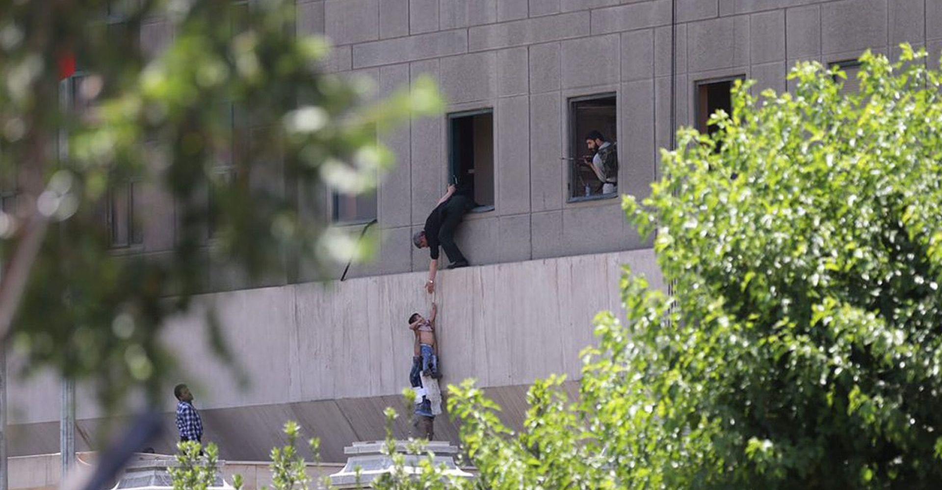 ROHANI 'Napadi dodatno učvrstili jedinstvo Irana'