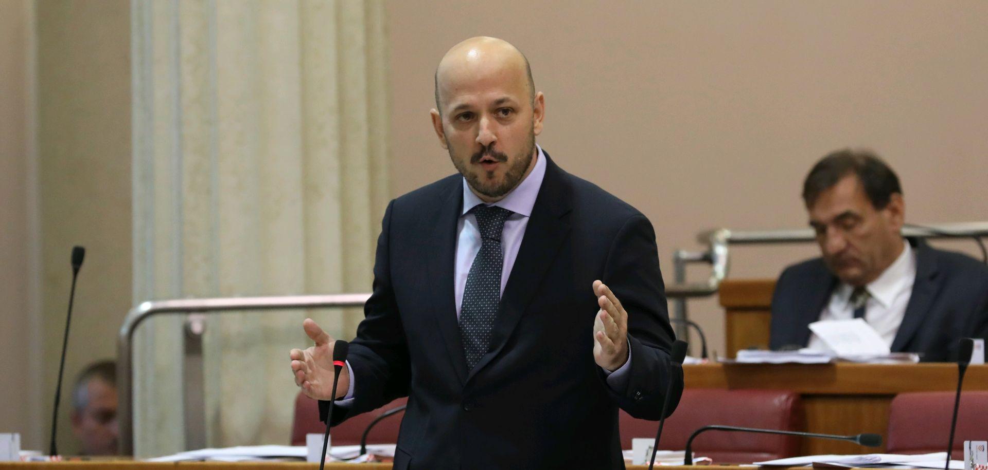Maras zbog Agrokora napao premijera i Marića