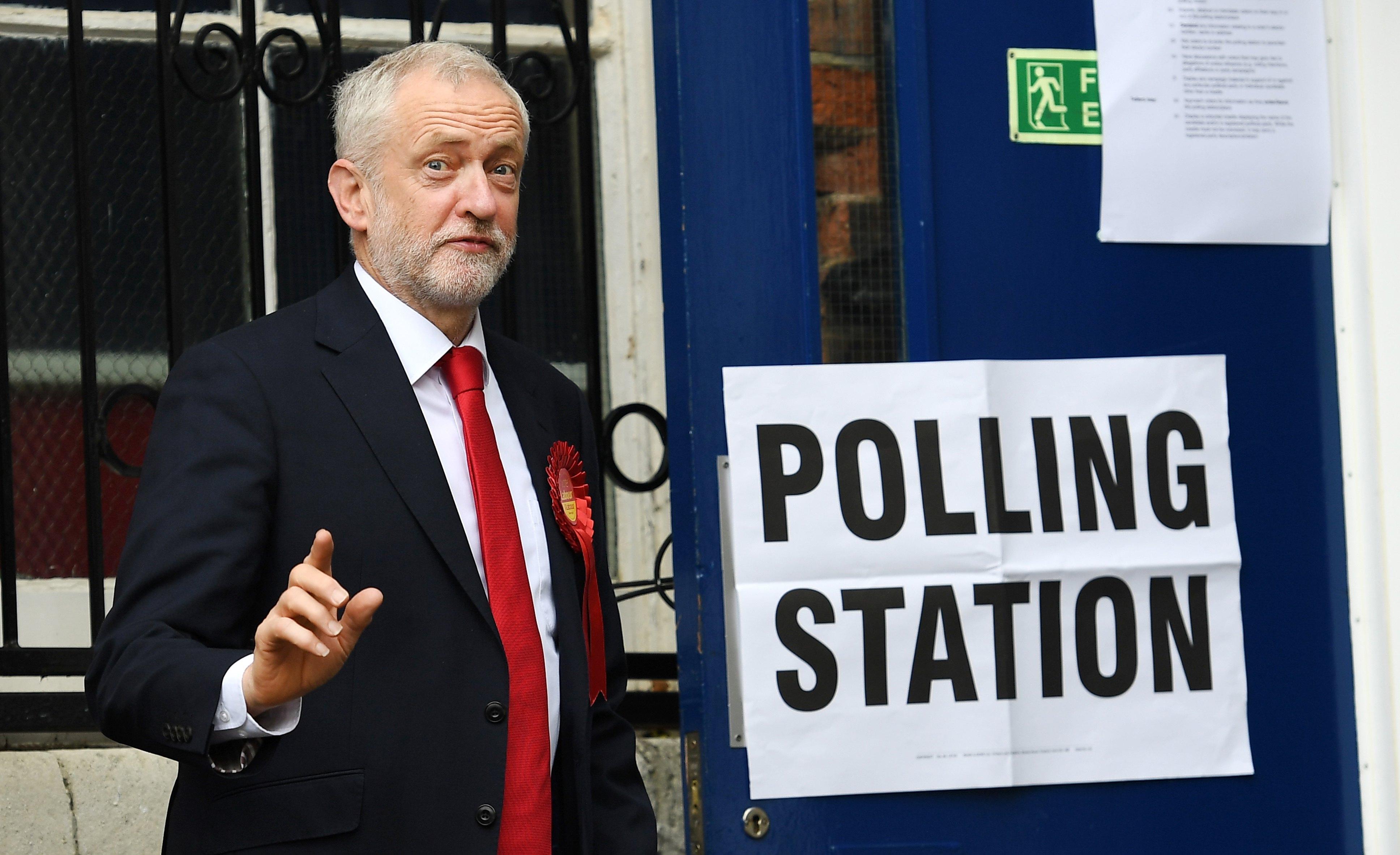 BRITANIJA Konzervativci izgubili većinu u parlamentu