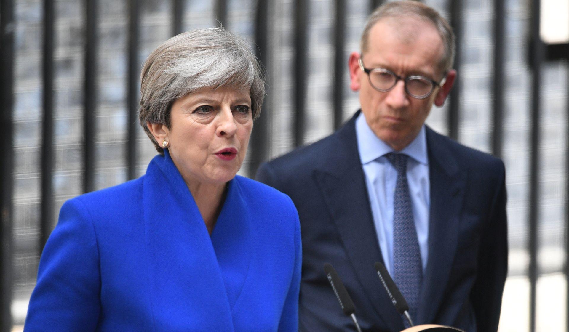 """May poručila svojoj stranci da će ih voditi """"dokle god oni to žele"""
