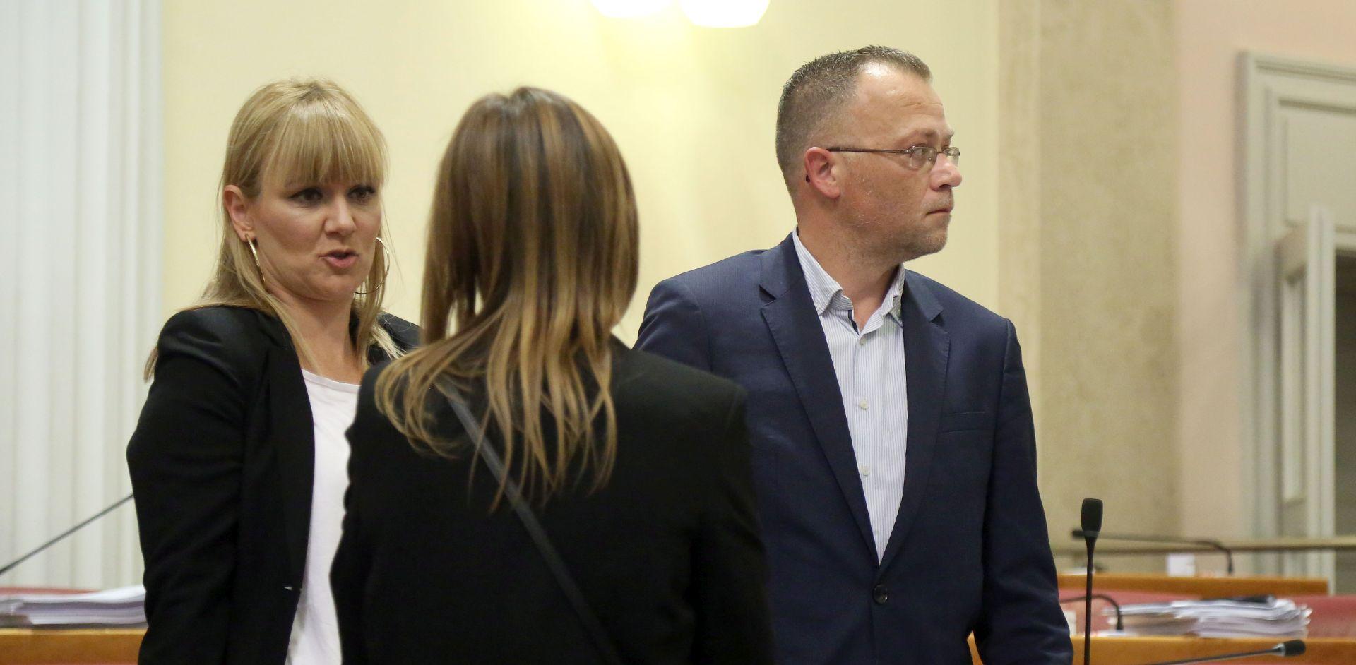 """ZAVRŠIO U PRITVORU Preko Facebooka prijetio Stieru, Esih i Hasanbegoviću: """"Bit će krvi i padat će glave"""""""