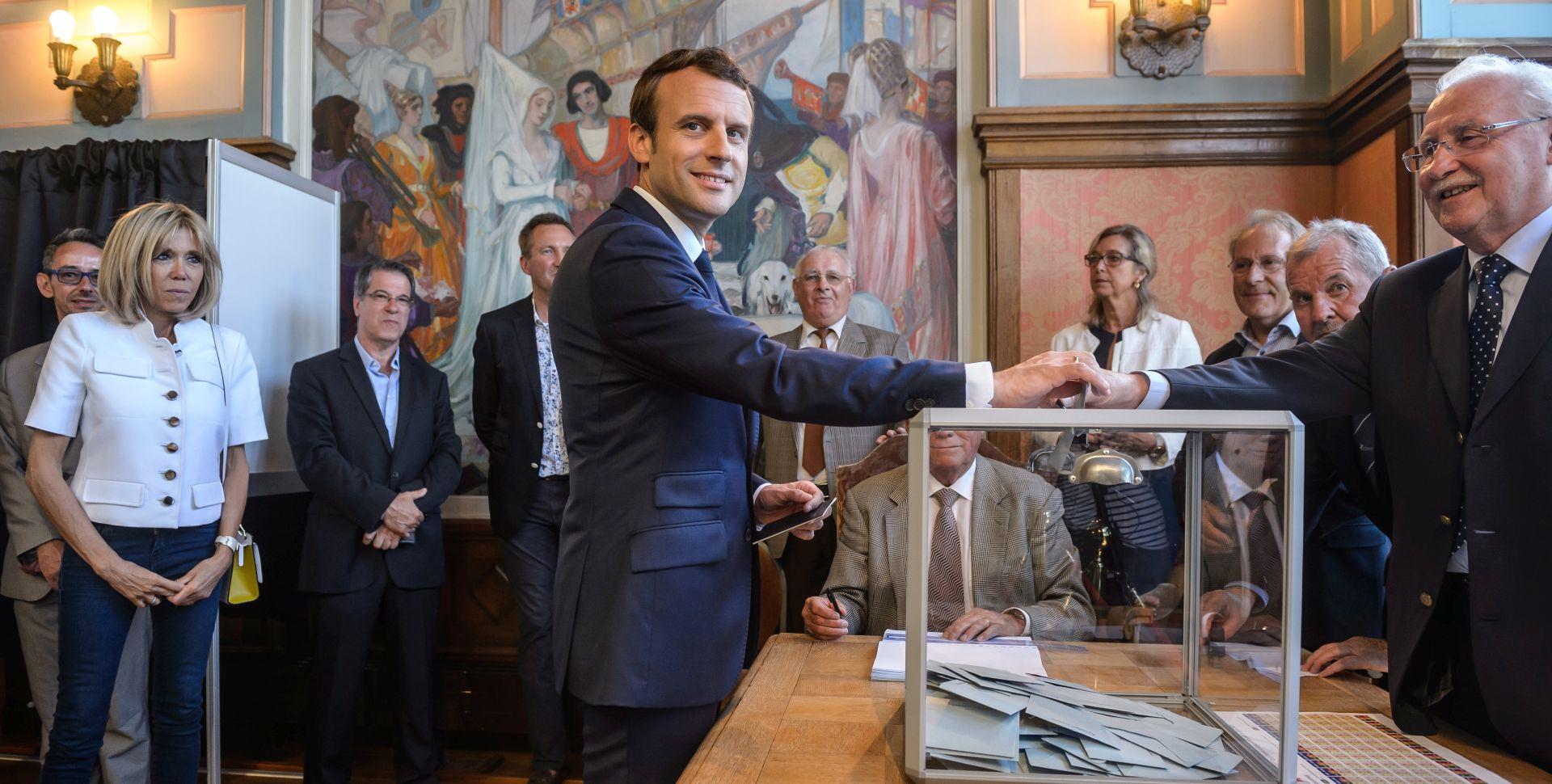 Macronova stranka na putu osvajanja rekordne parlamentarne većine