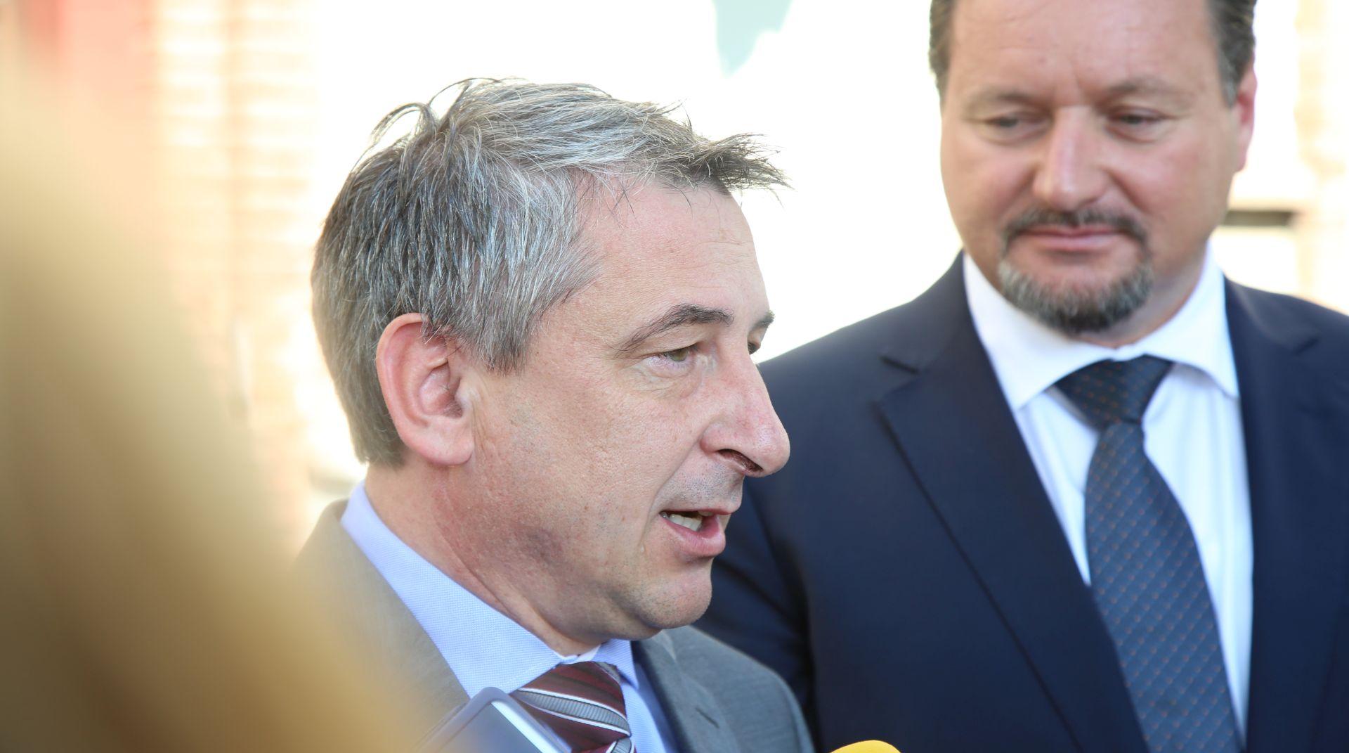 ŠTROMAR PREUZEO MINISTARSTVO 'Spojiti katastar i zemljišne knjige'