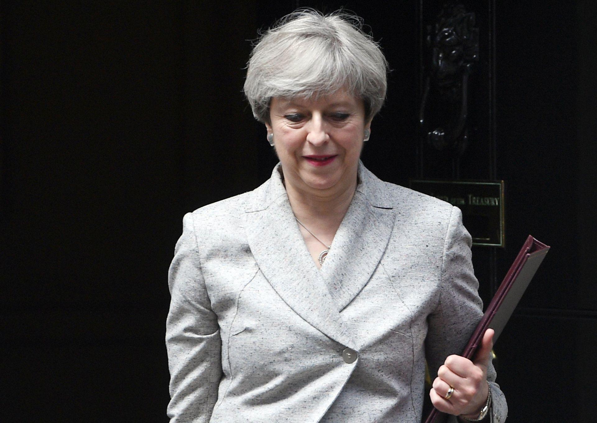 Konzervativci Therese May i sjevernoirski unionisti postigli dogovor o manjinskoj vladi
