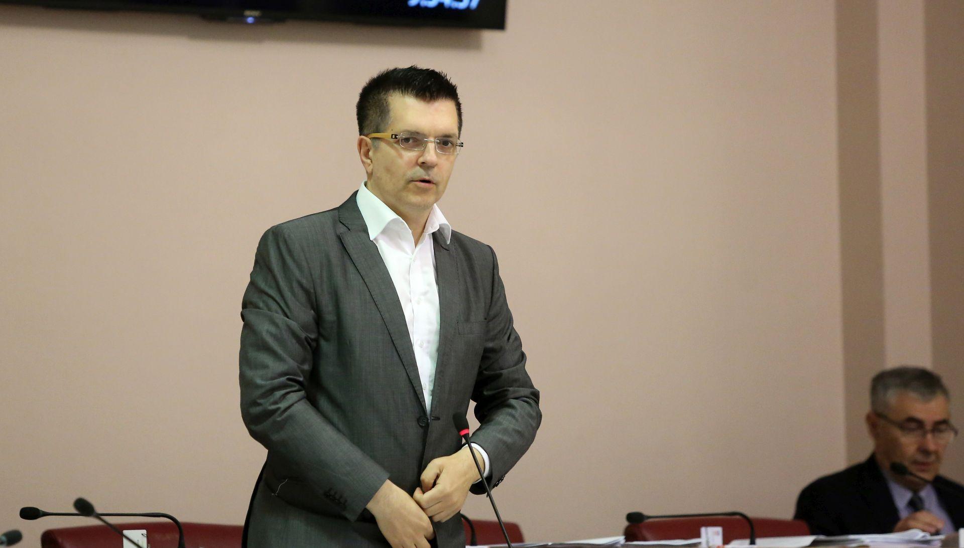 BUNJAC 'Netransparentni i štetni krediti koje je Agrokor dobio od Jadranske banke'