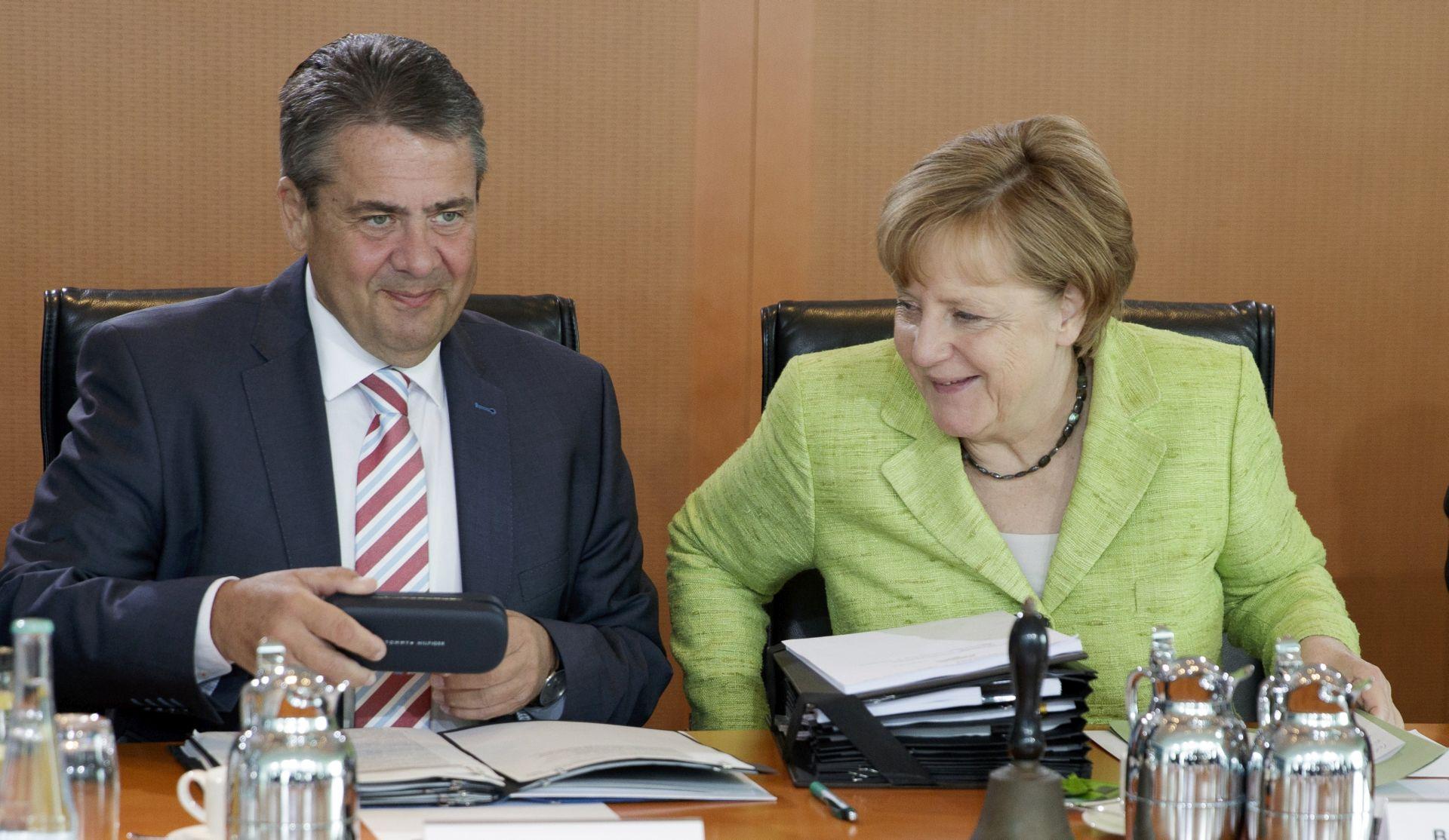Merkel kritizira nove američke sankcije Rusiji zbog lošeg utjecaja na gospodarstvo