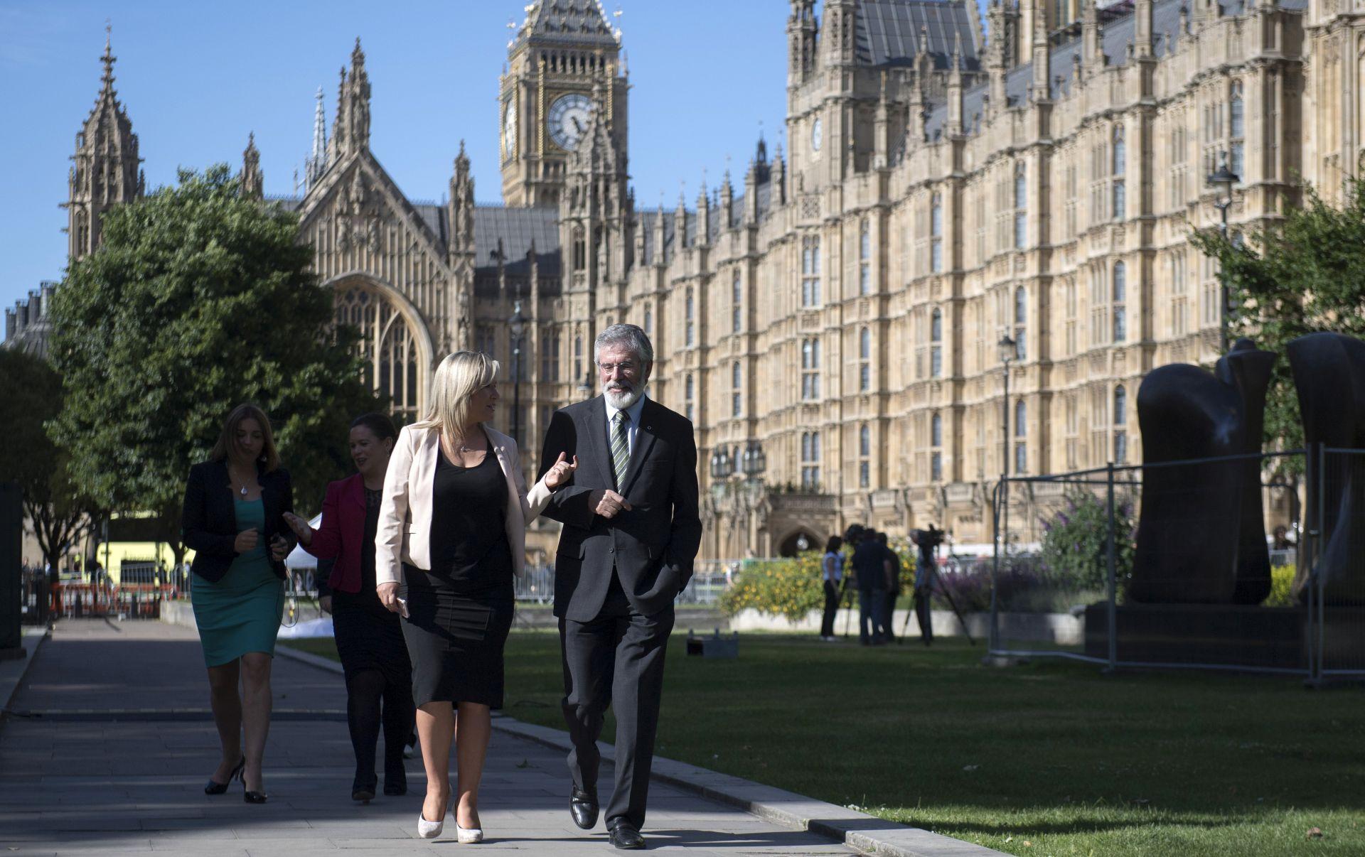Britanska policija ispituje je li incident pred parlamentom bio teroristički
