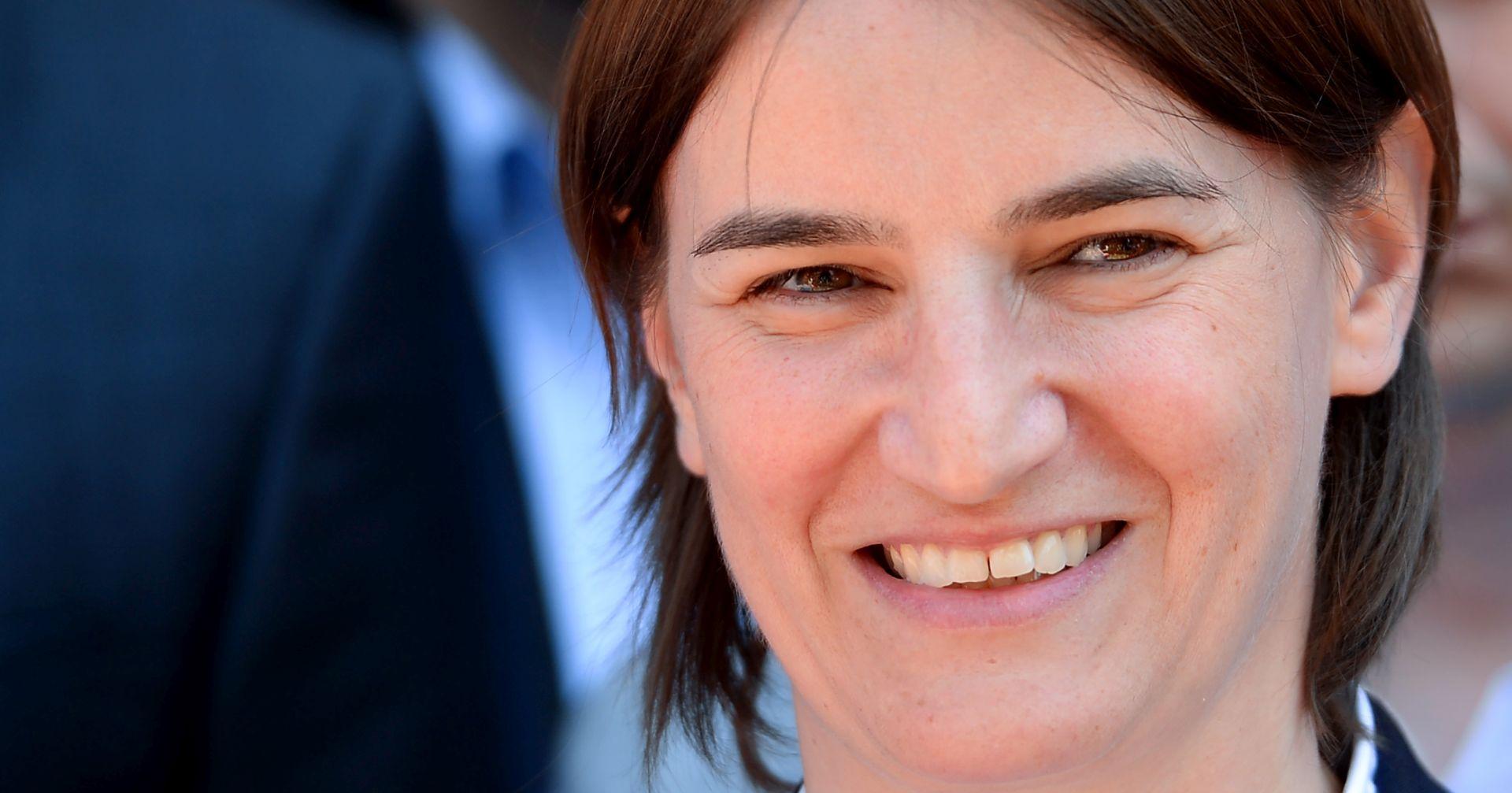 Vučić i naprednjaci imaju problem osigurati parlamentarnu većinu za podršku Ani Brnabić