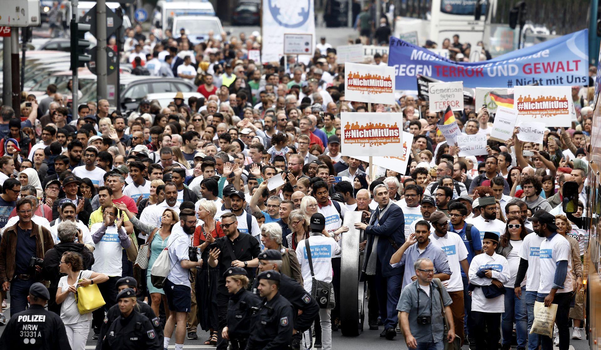 Na prosvjedu muslimana u Njemačkoj protiv terorizma mnogo manje sudionika od očekivanog